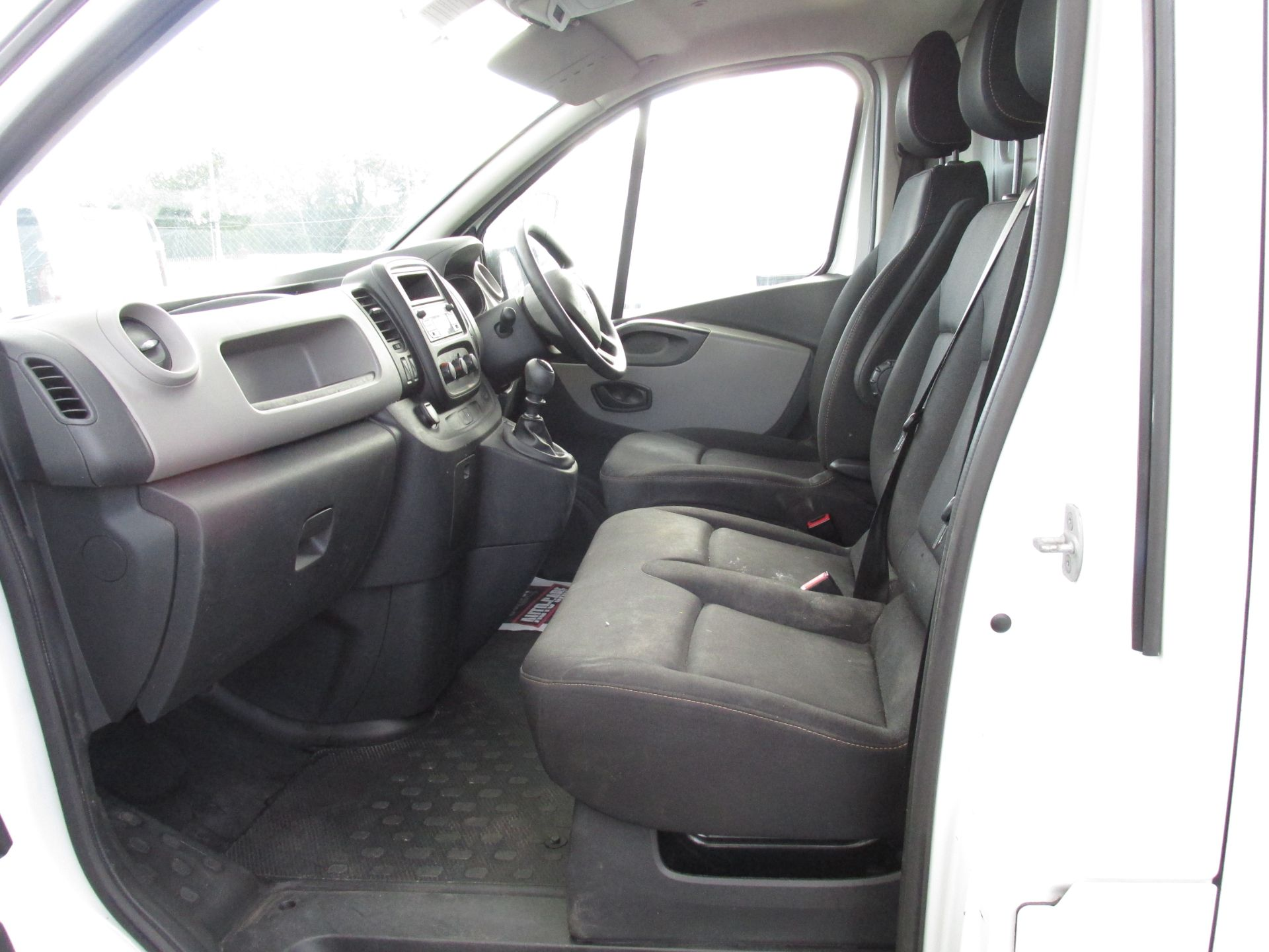 2017 Renault Trafic LL29 DCI 120 Business 3DR (171D23040) Image 11