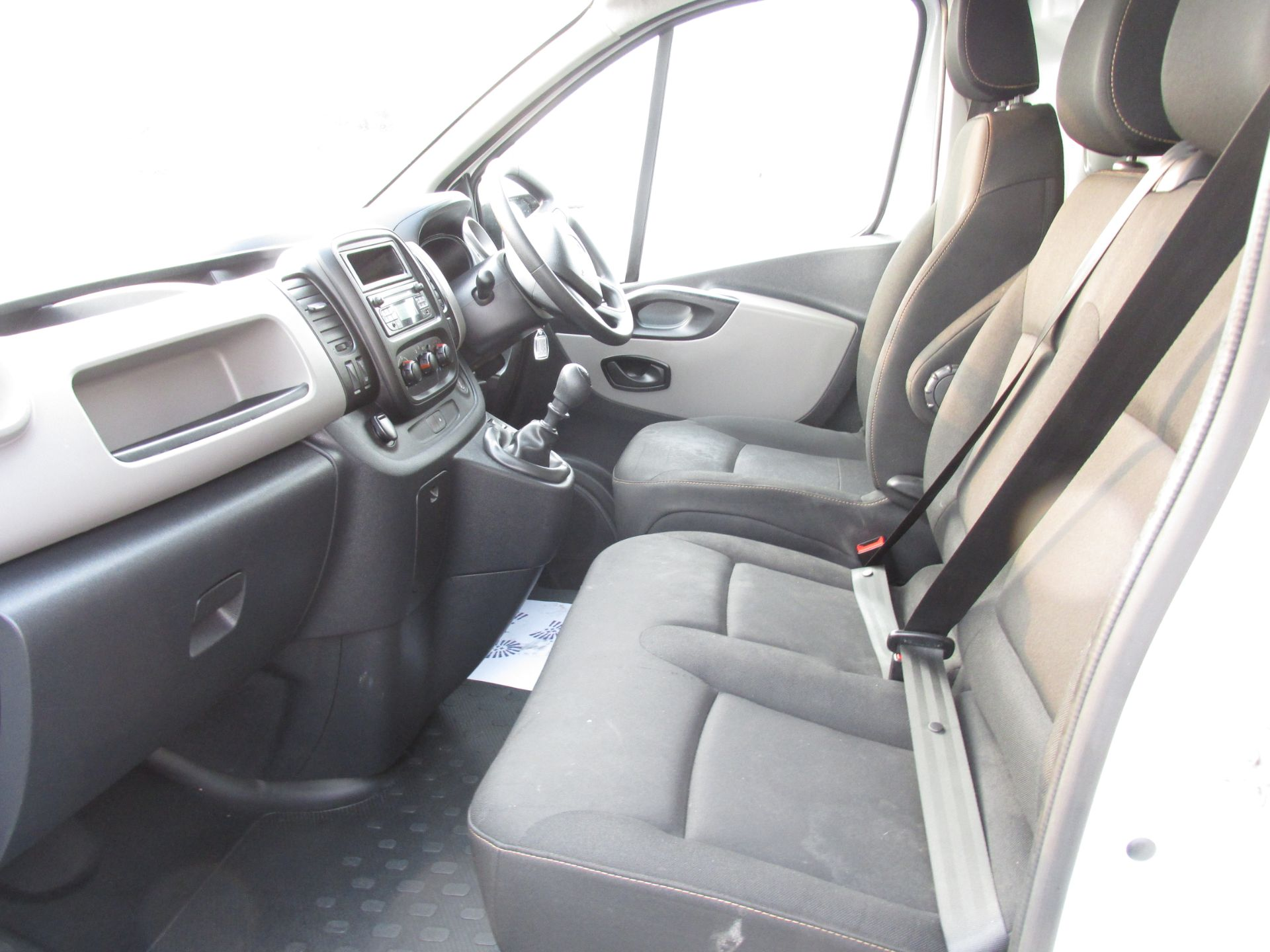 2017 Renault Trafic LL29 DCI 120 Business 3DR (171D23115) Image 11