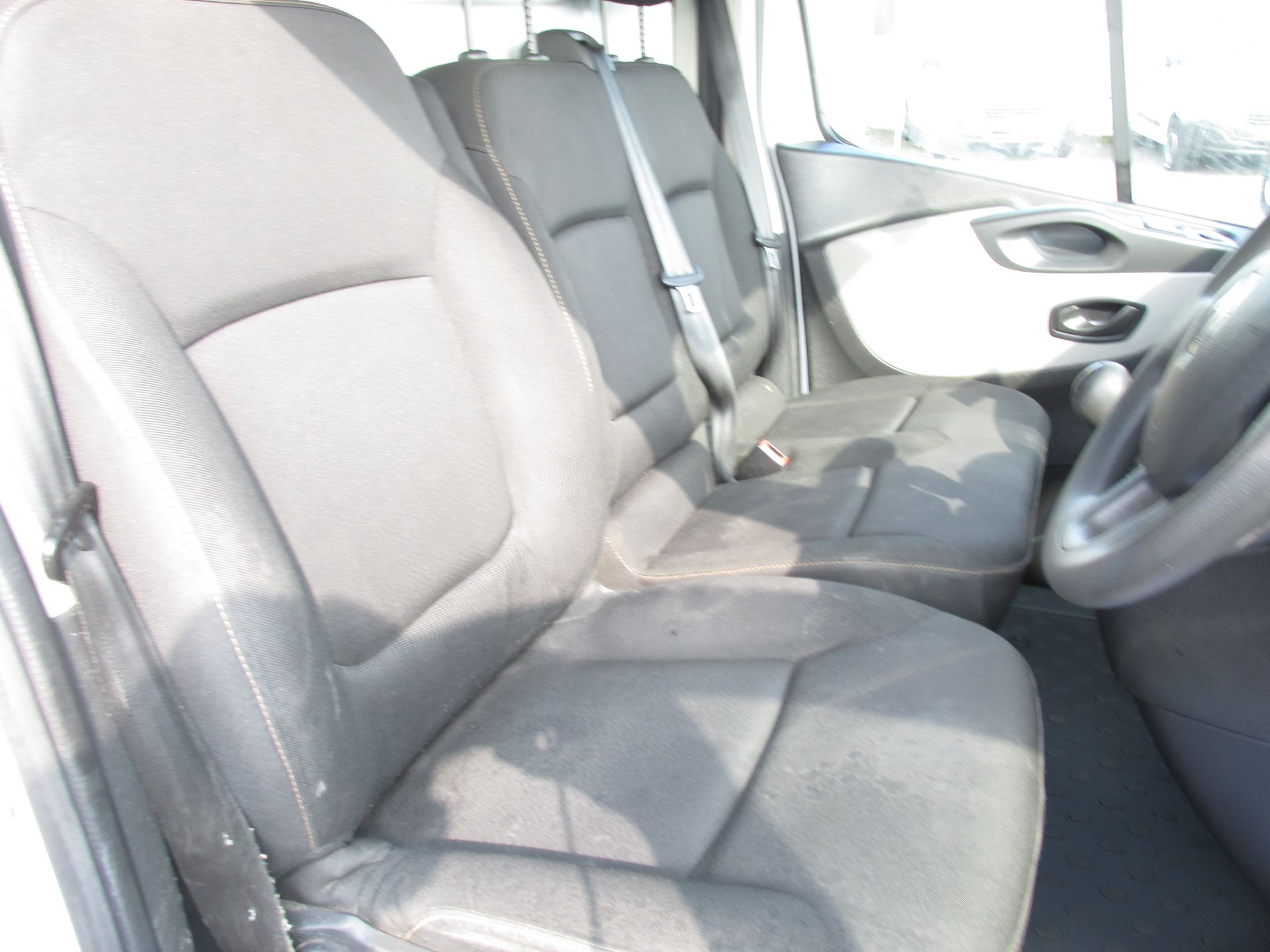 2017 Renault Trafic LL29 DCI 120 Business 3DR (171D25444) Image 11