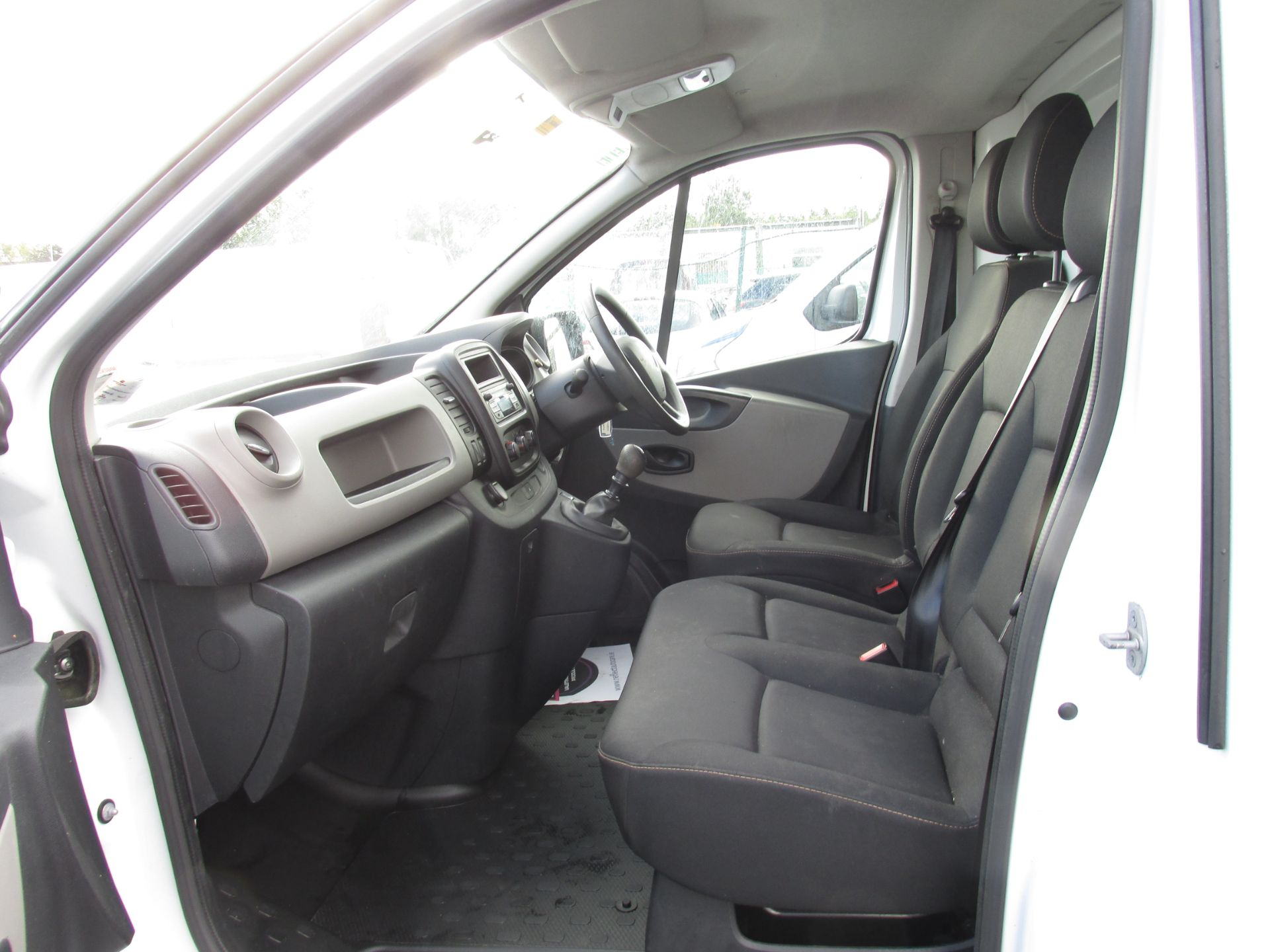2017 Renault Trafic LL29 DCI 120 Business 3DR (171D25712) Image 11