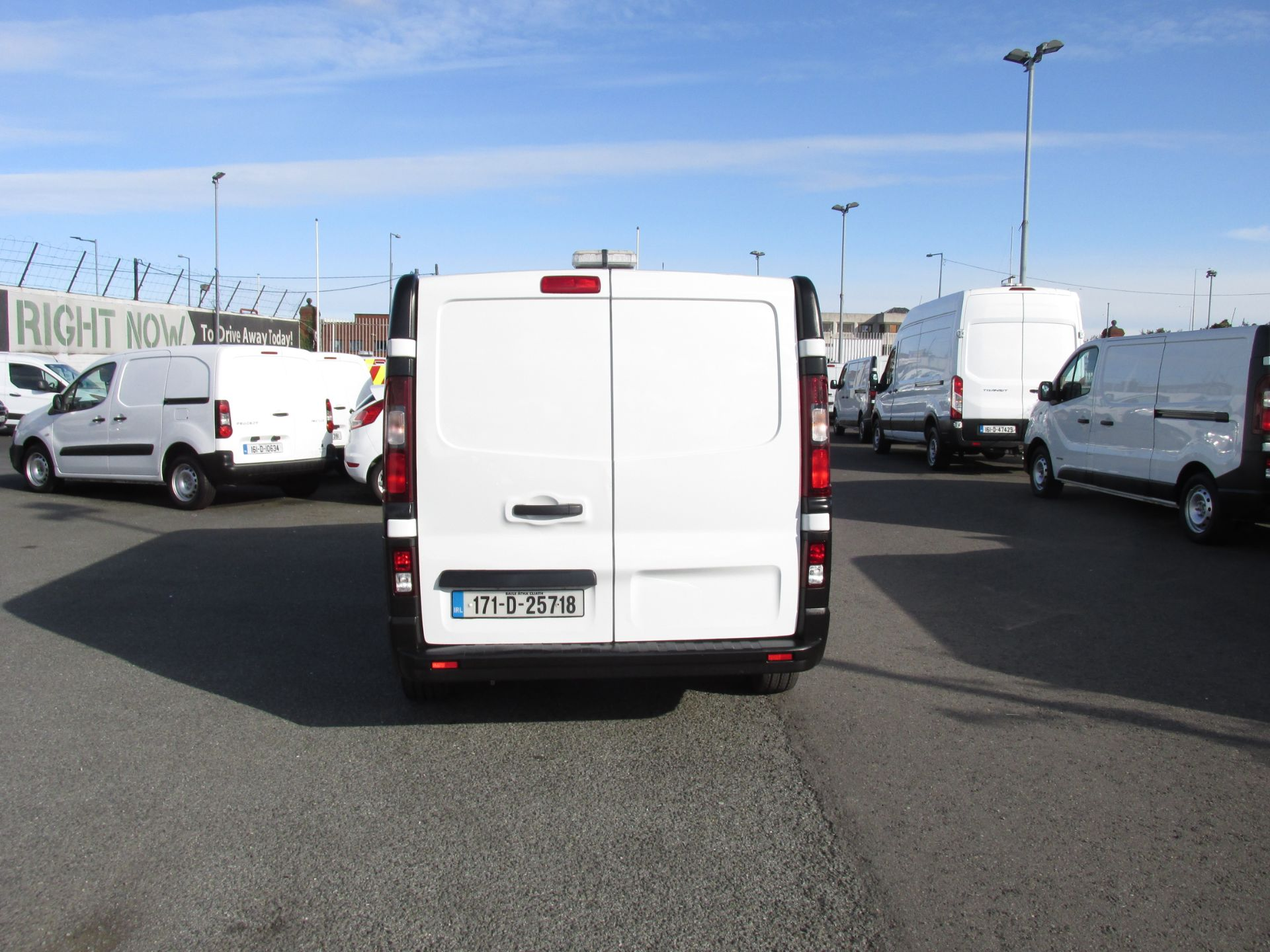 2017 Renault Trafic LL29 DCI 120 Business 3DR (171D25718) Image 6