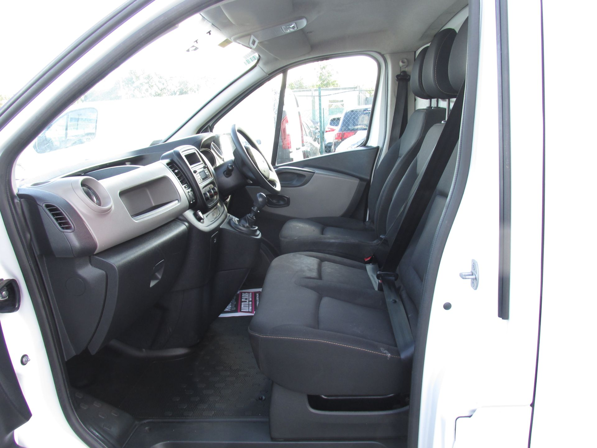 2017 Renault Trafic LL29 DCI 120 Business 3DR (171D25718) Image 11