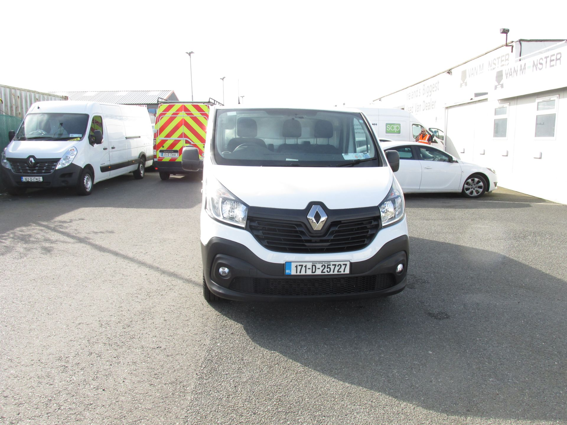 2017 Renault Trafic LL29 DCI 120 Business 3DR (171D25727) Image 2