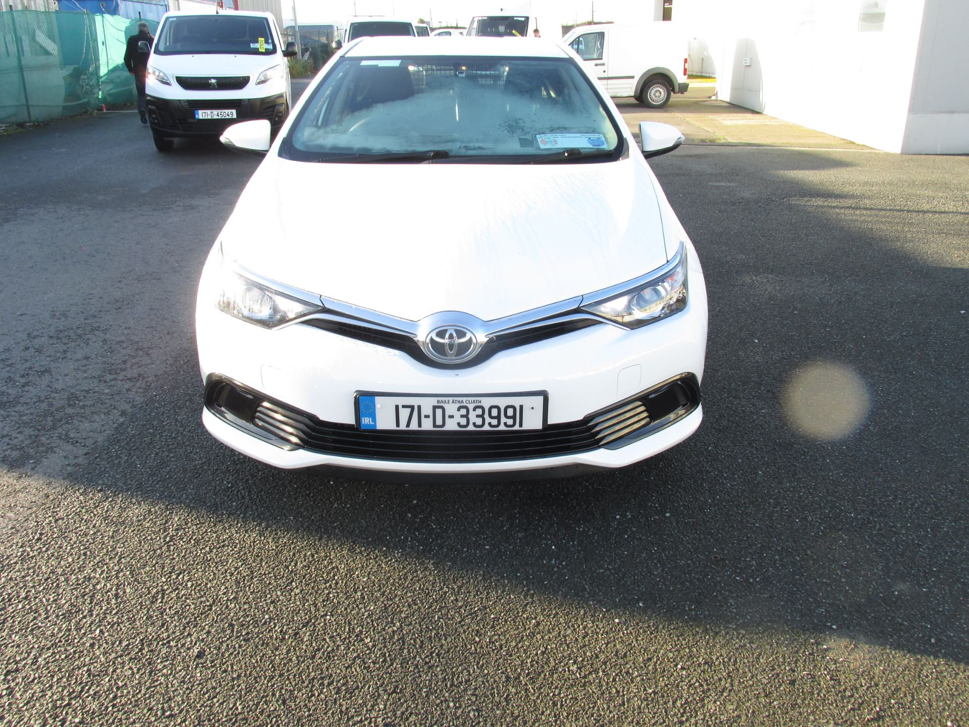 2017 Toyota Auris 1.4d-4d Terra 4DR click and collect call sales for more info (171D33991) Image 2