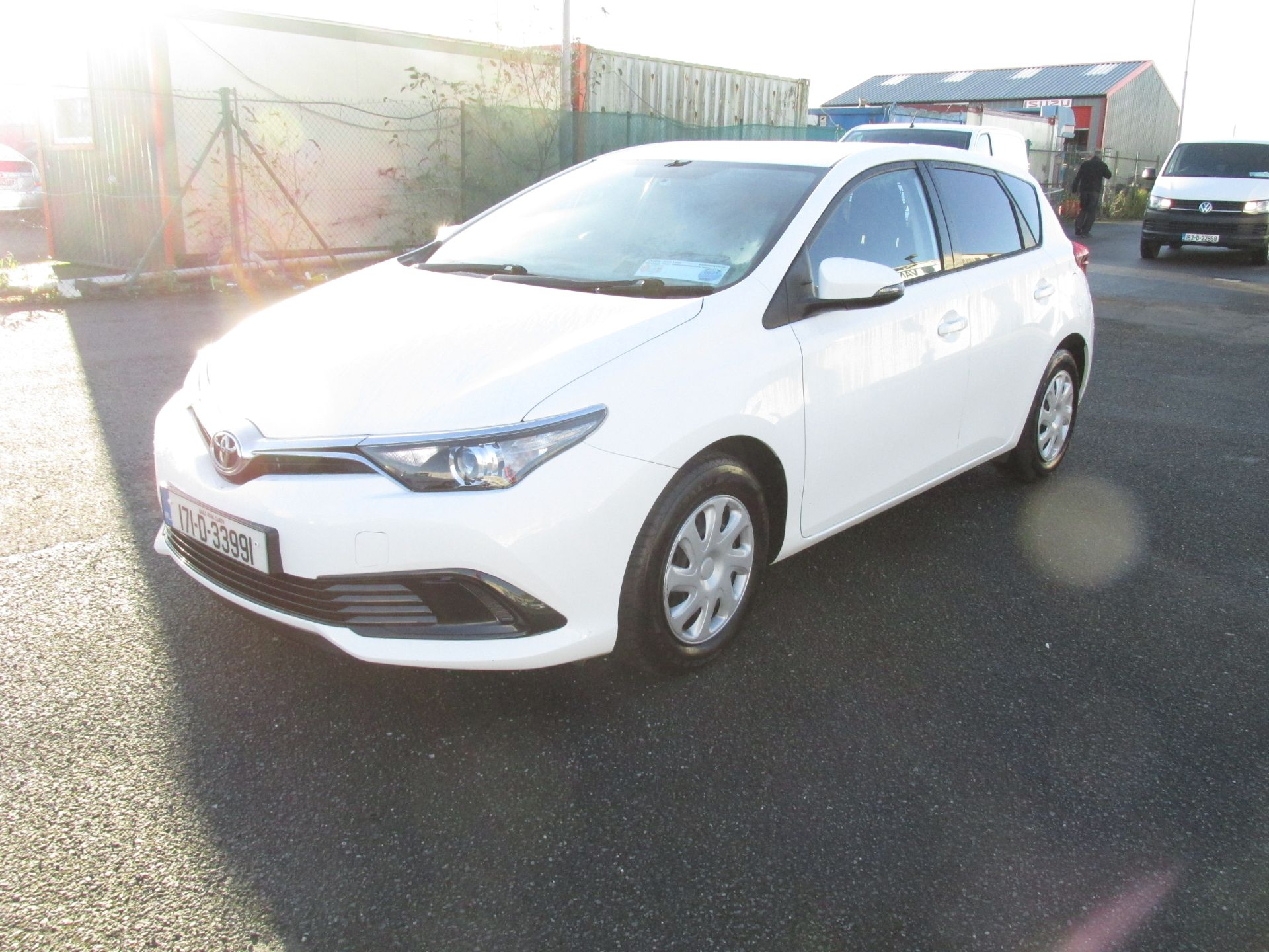 2017 Toyota Auris 1.4d-4d Terra 4DR click and collect call sales for more info (171D33991) Image 3