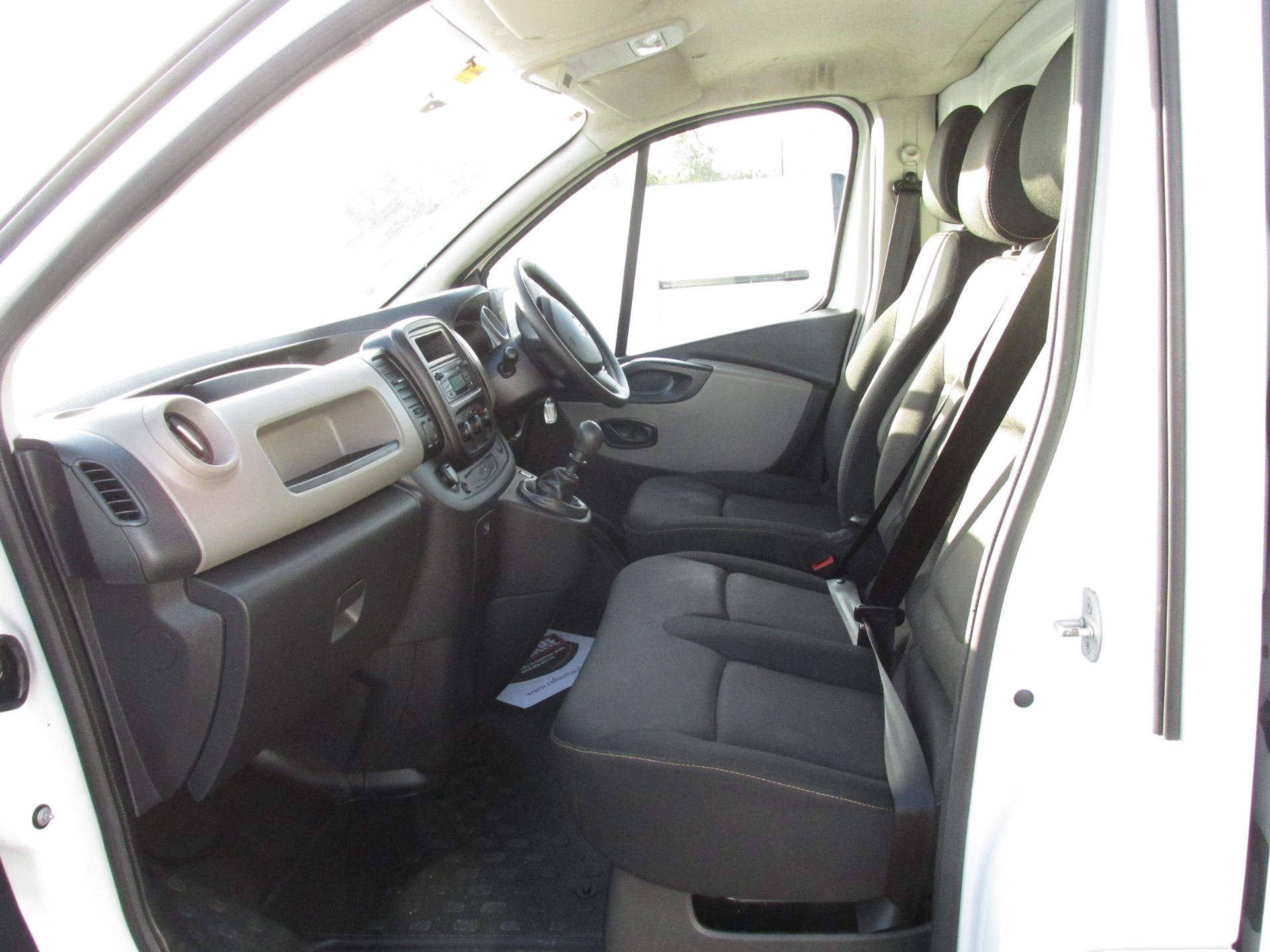 2017 Renault Trafic LL29 DCI 120 Business 3DR (171D35400) Image 11