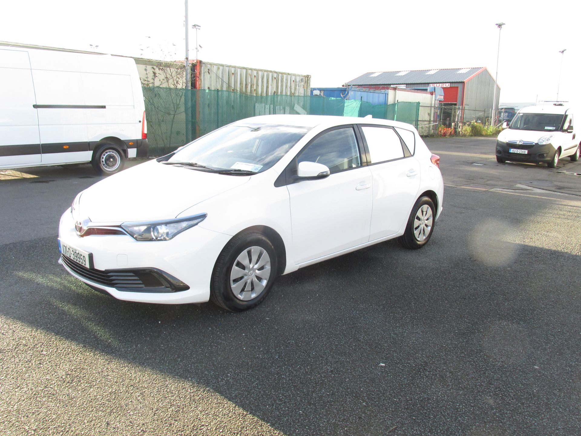 2017 Toyota Auris VAN 1.4 D4D Terra 4DR click and collect call sales for more info (171D39959) Image 3