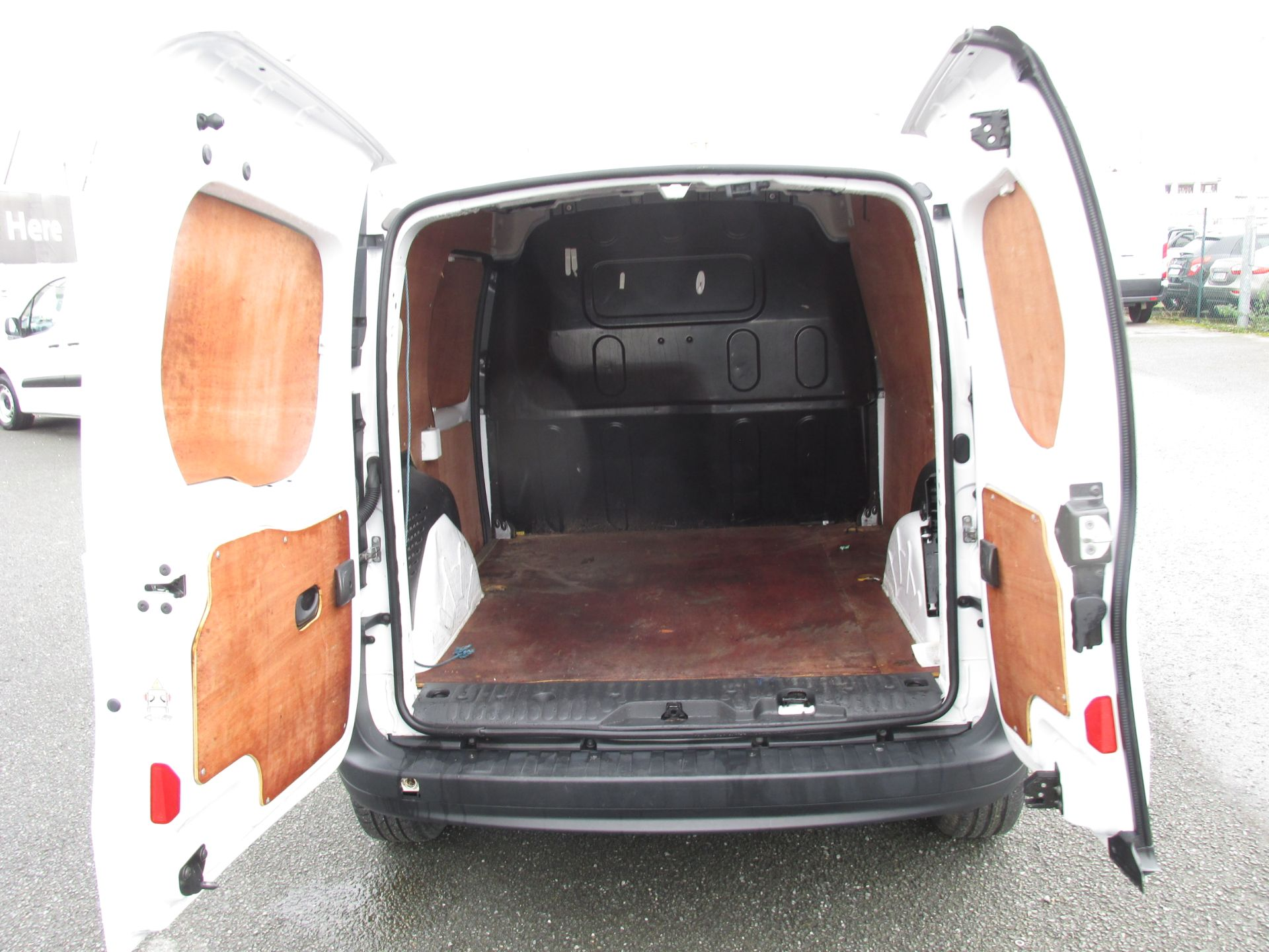 2017 Renault Kangoo ML19 ENERGY DCI 75 BUSINESS 2D click and collect call sales for more info (171D8222) Image 9