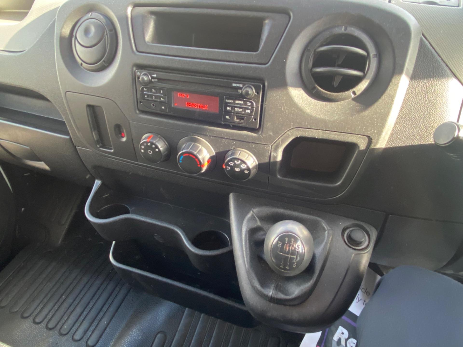 2017 Renault Master FWD LM35 DCI 125 Business 3DR (171D17814) Image 12