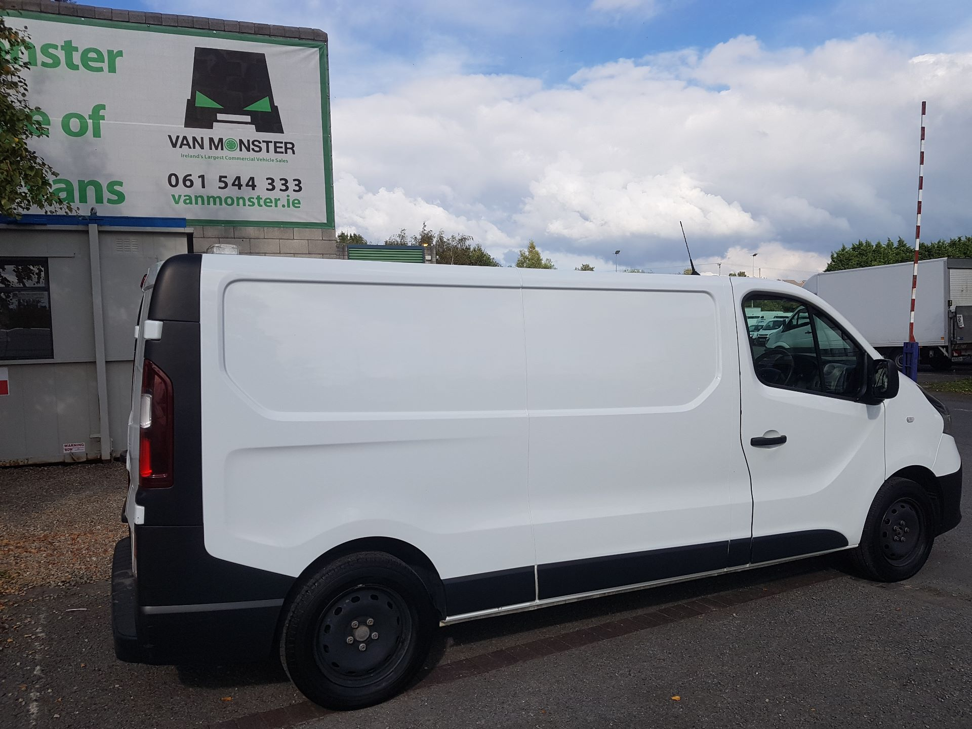 2017 Renault Trafic LL29 DCI 120 Business 3DR (171D22982) Image 2