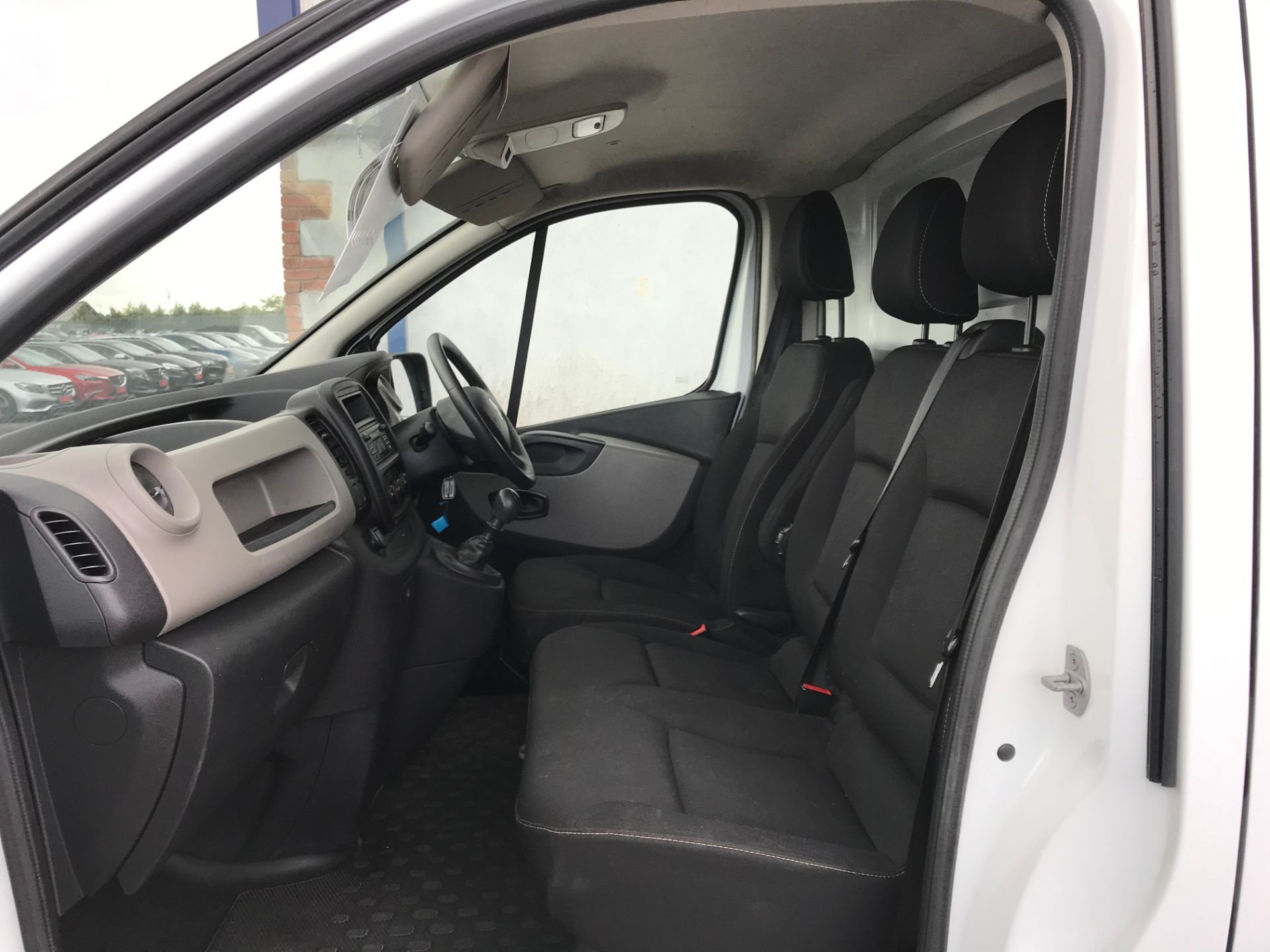 2017 Renault Trafic LL29 DCI 120 Business 3DR (171D25450) Image 10