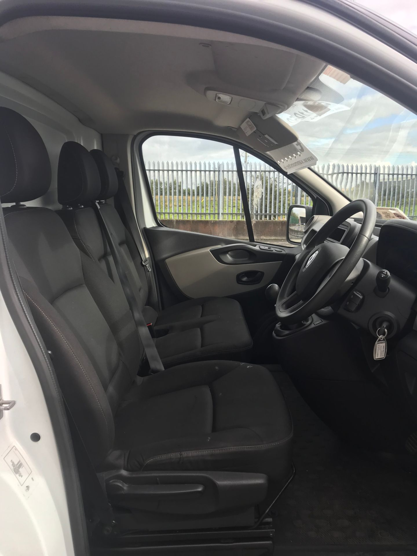 2017 Renault Trafic LL29 DCI 120 Business 3DR (171D25703) Image 13