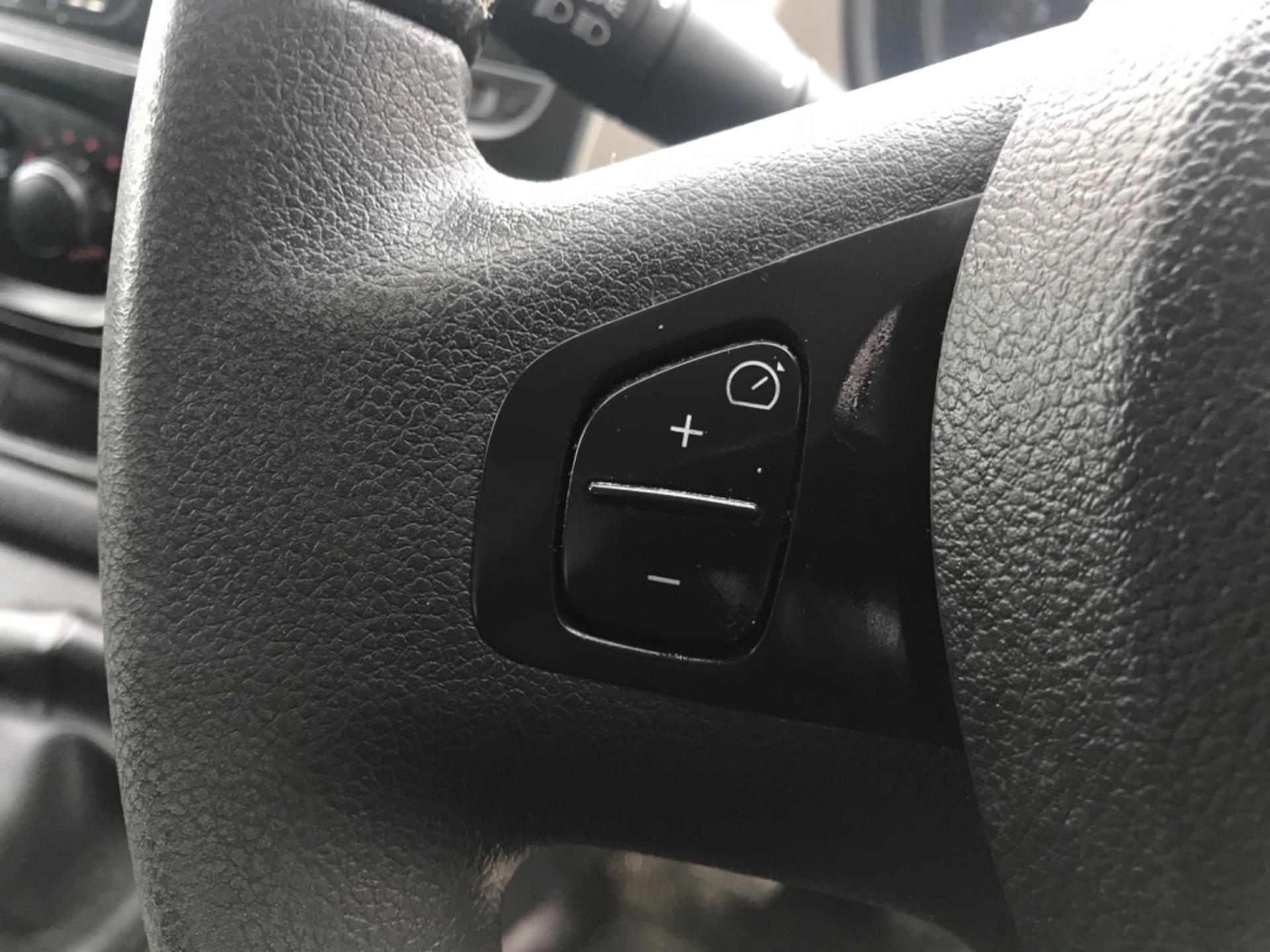 2017 Nissan Nv300 LWB 120 XE 4DR (171D34796) Image 14