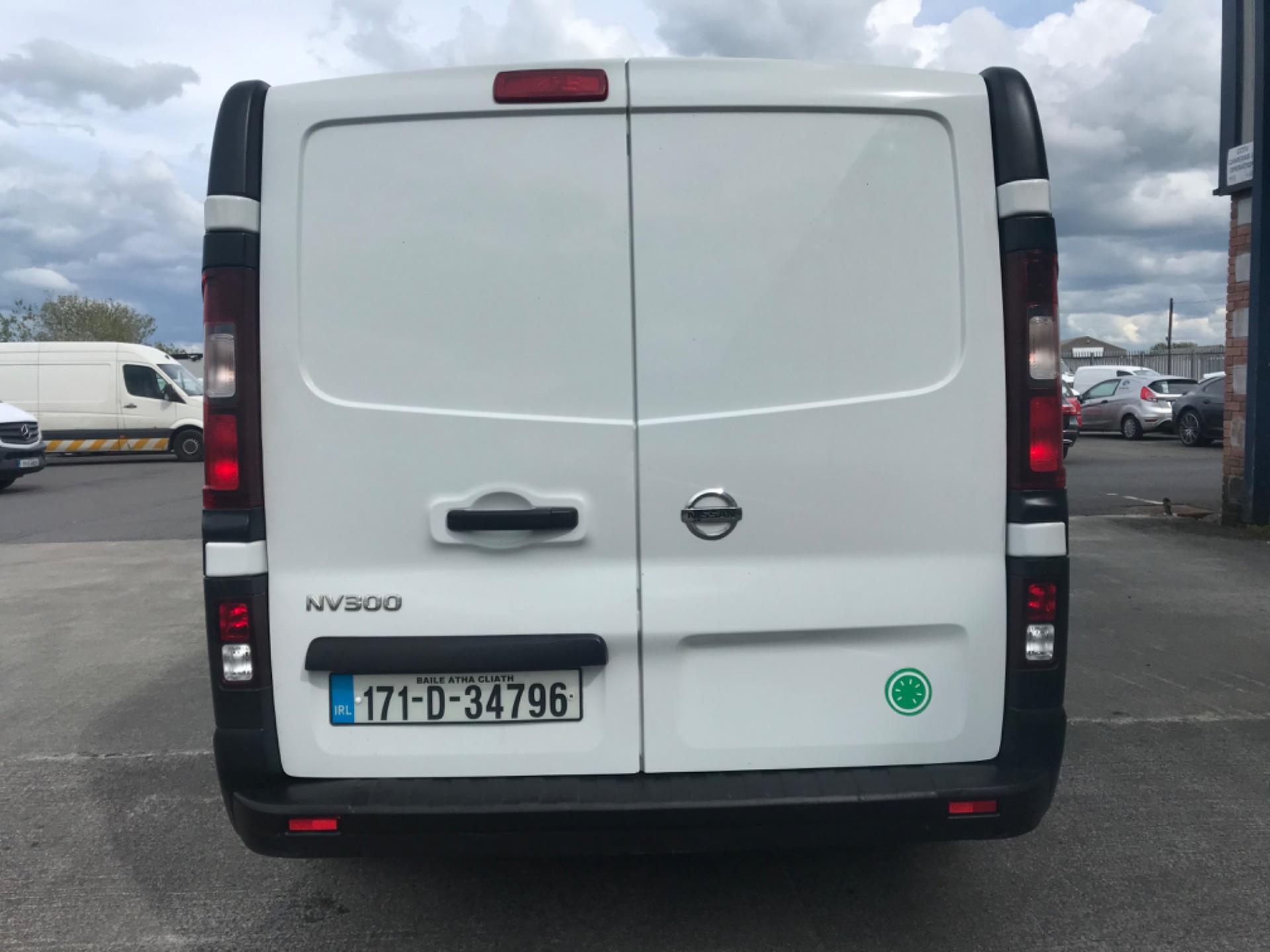 2017 Nissan Nv300 LWB 120 XE 4DR (171D34796) Image 6