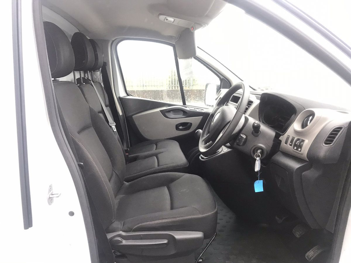 2017 Renault Trafic LL29 DCI 120 Business 3DR (171D44948) Image 11