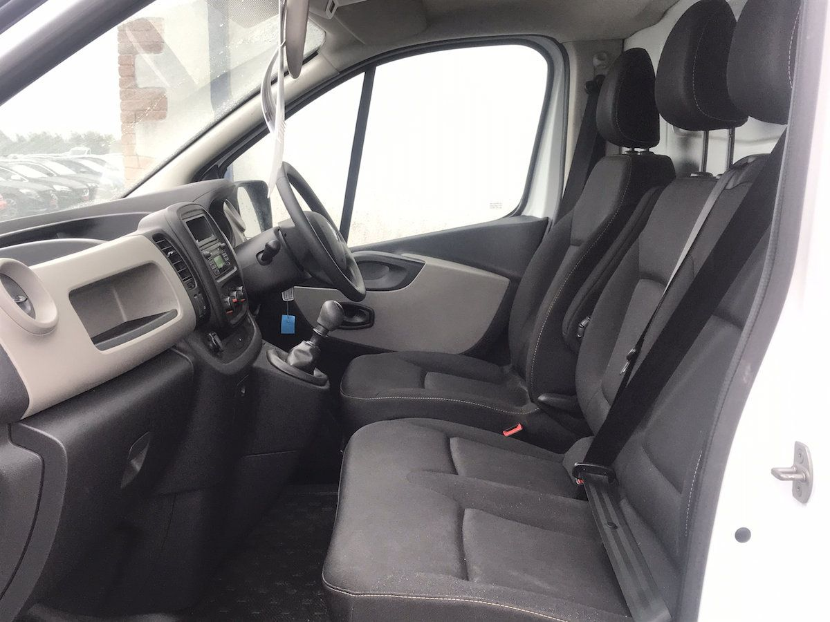 2017 Renault Trafic LL29 DCI 120 Business 3DR (171D44948) Image 9