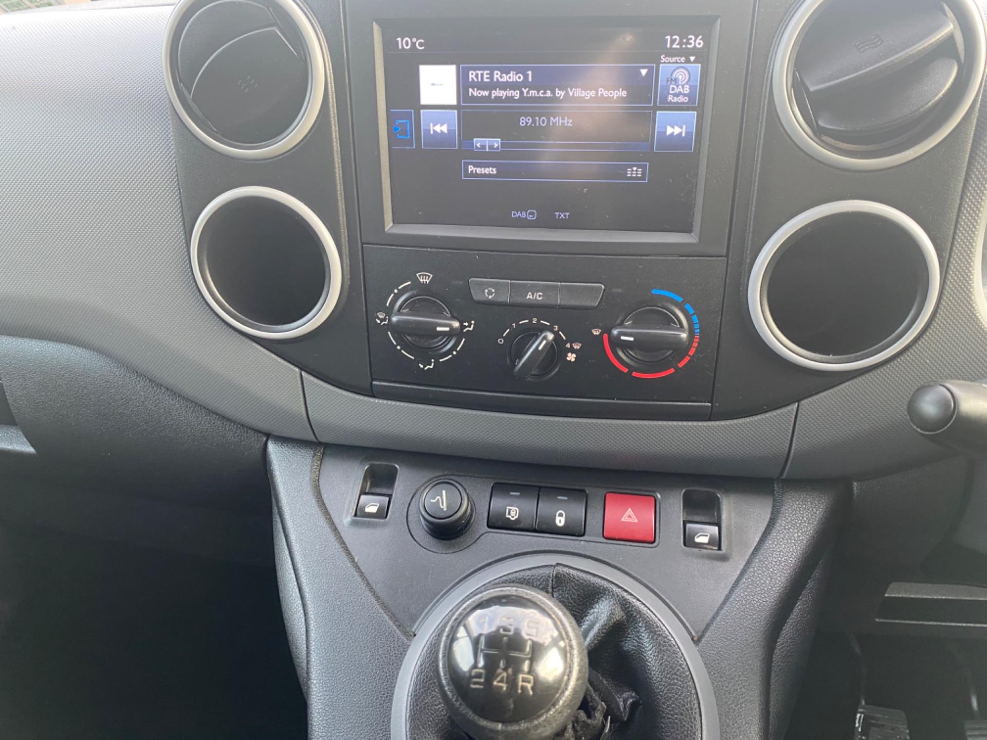 2017 Peugeot Partner Professional 1.6 Blue HDI 100 (171D45811) Image 13