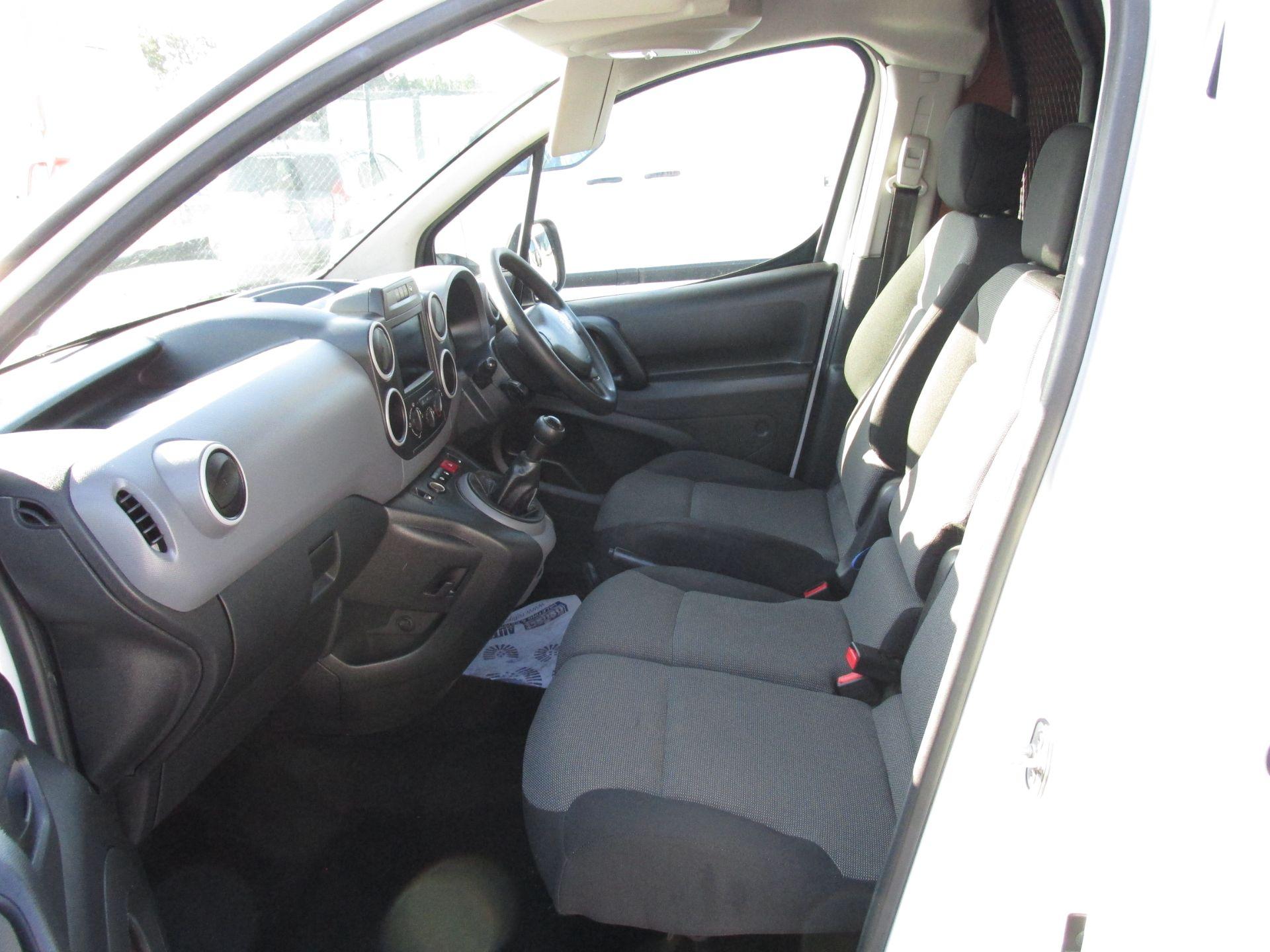 2017 Peugeot Partner 3 SEATER (172D11792) Image 11