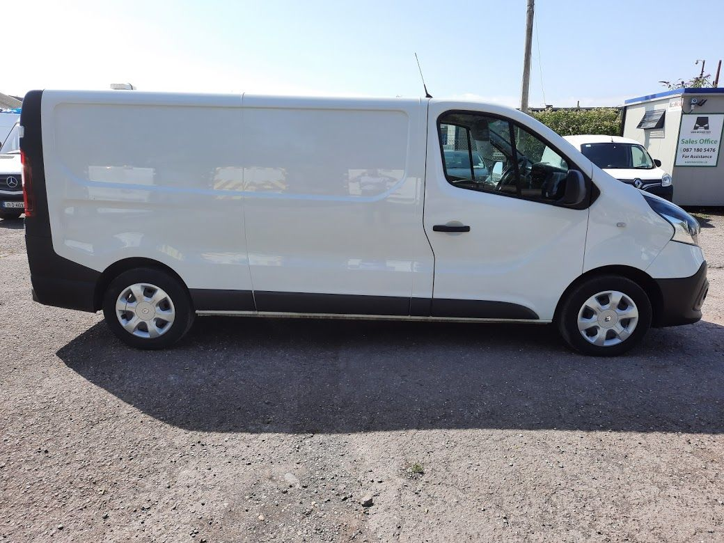 2017 Renault Trafic LL29 DCI 120 Business 3DR (172D23078) Image 9