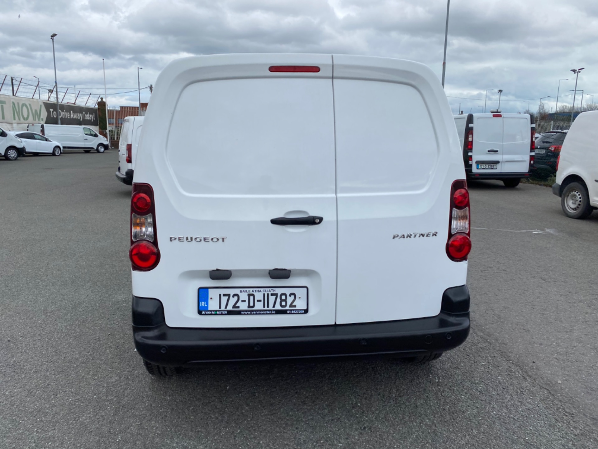 2017 Peugeot Partner Professional 1.6 Blue HDI 100 (172D11782) Image 6