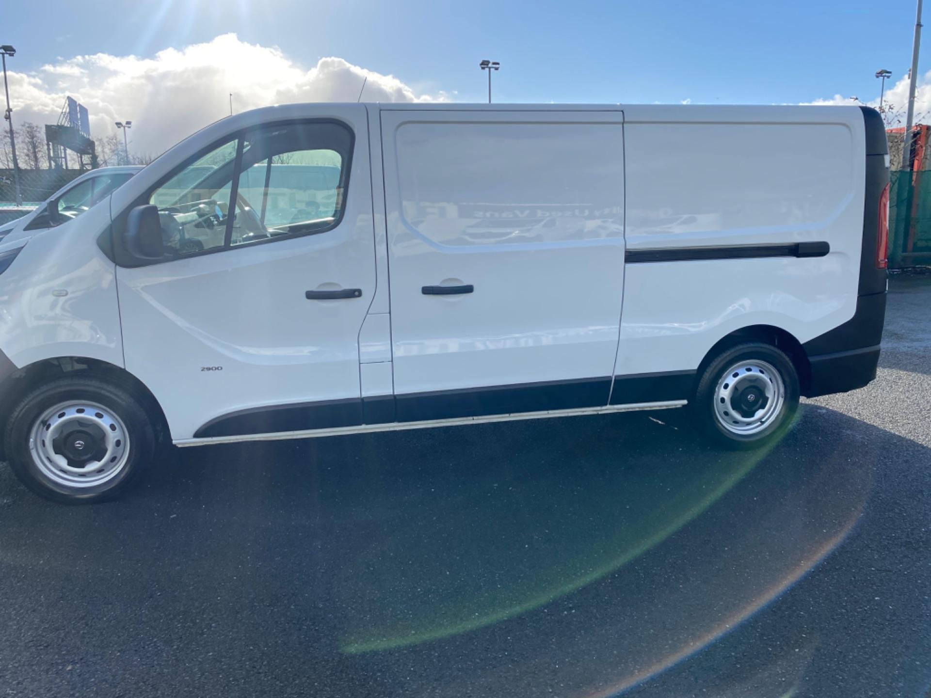 2017 Vauxhall Vivaro L2H1 2900 CDTI (172D14741) Image 4