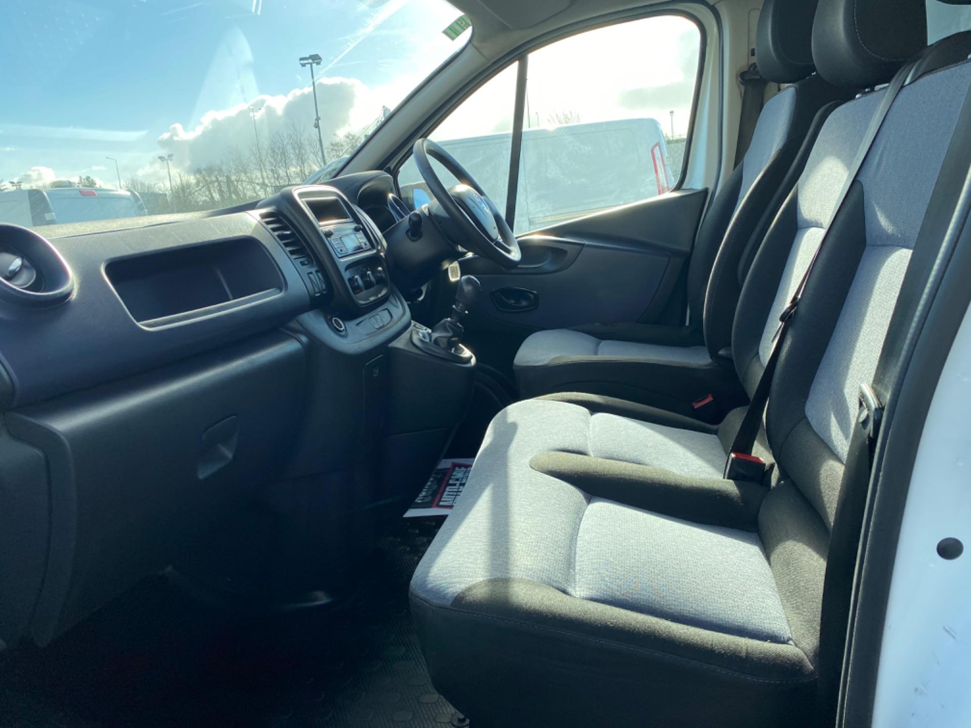 2017 Vauxhall Vivaro L2H1 2900 CDTI (172D14741) Image 10