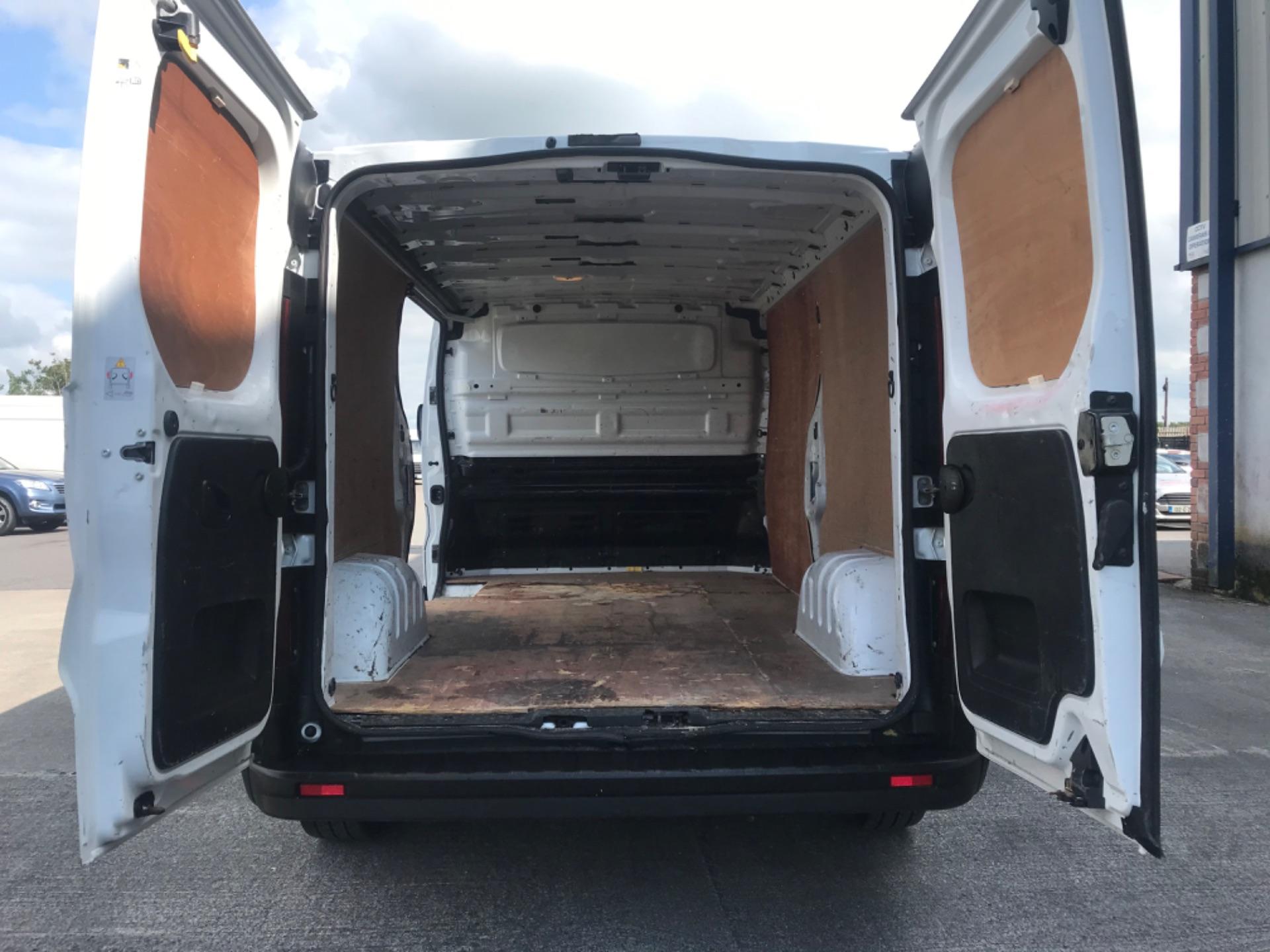 2017 Vauxhall Vivaro L2H1 2900 CDTI (172D14744) Image 9
