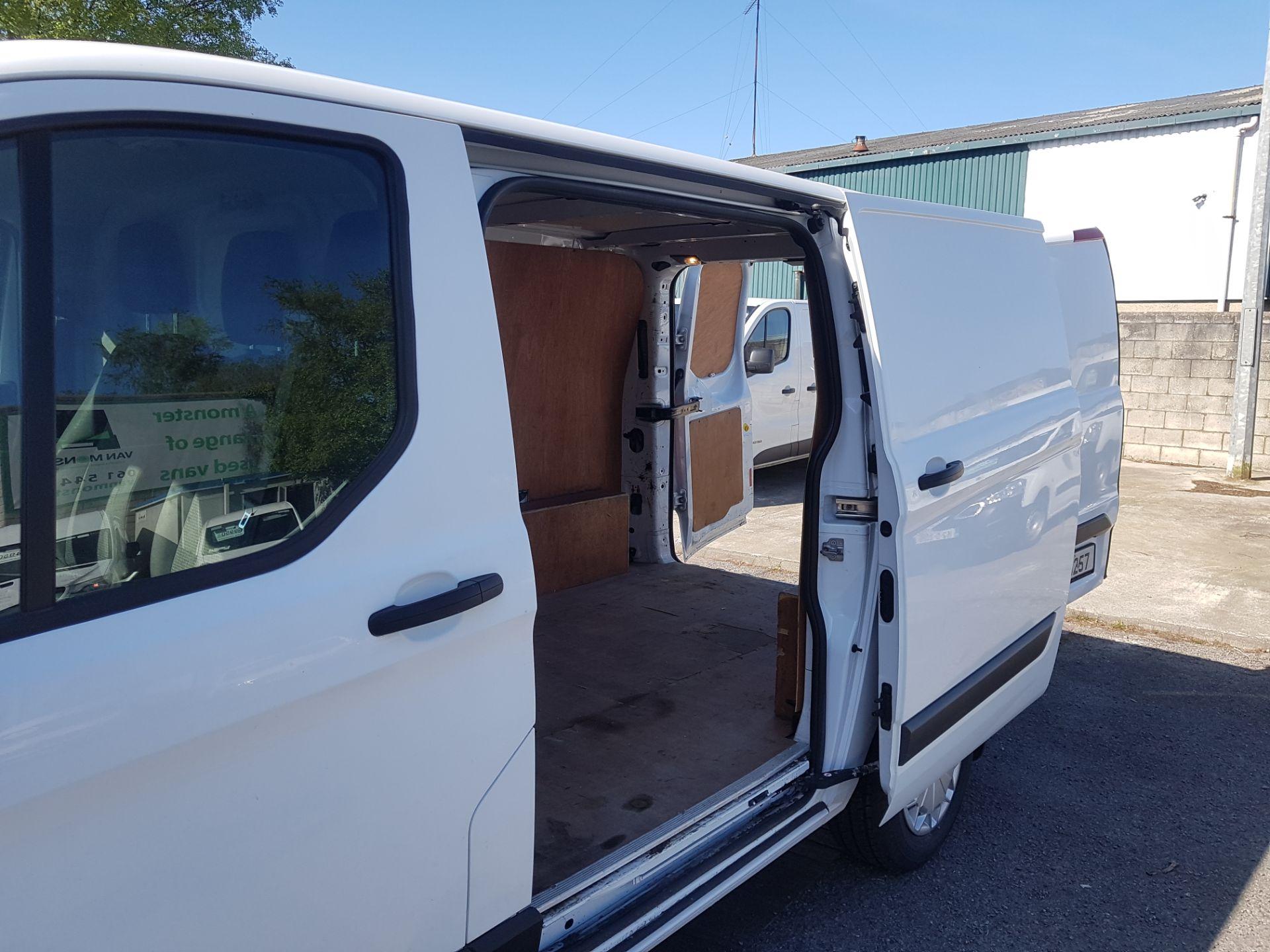 2017 Ford Transit Custom 290 LR P/V (172D16257) Image 10