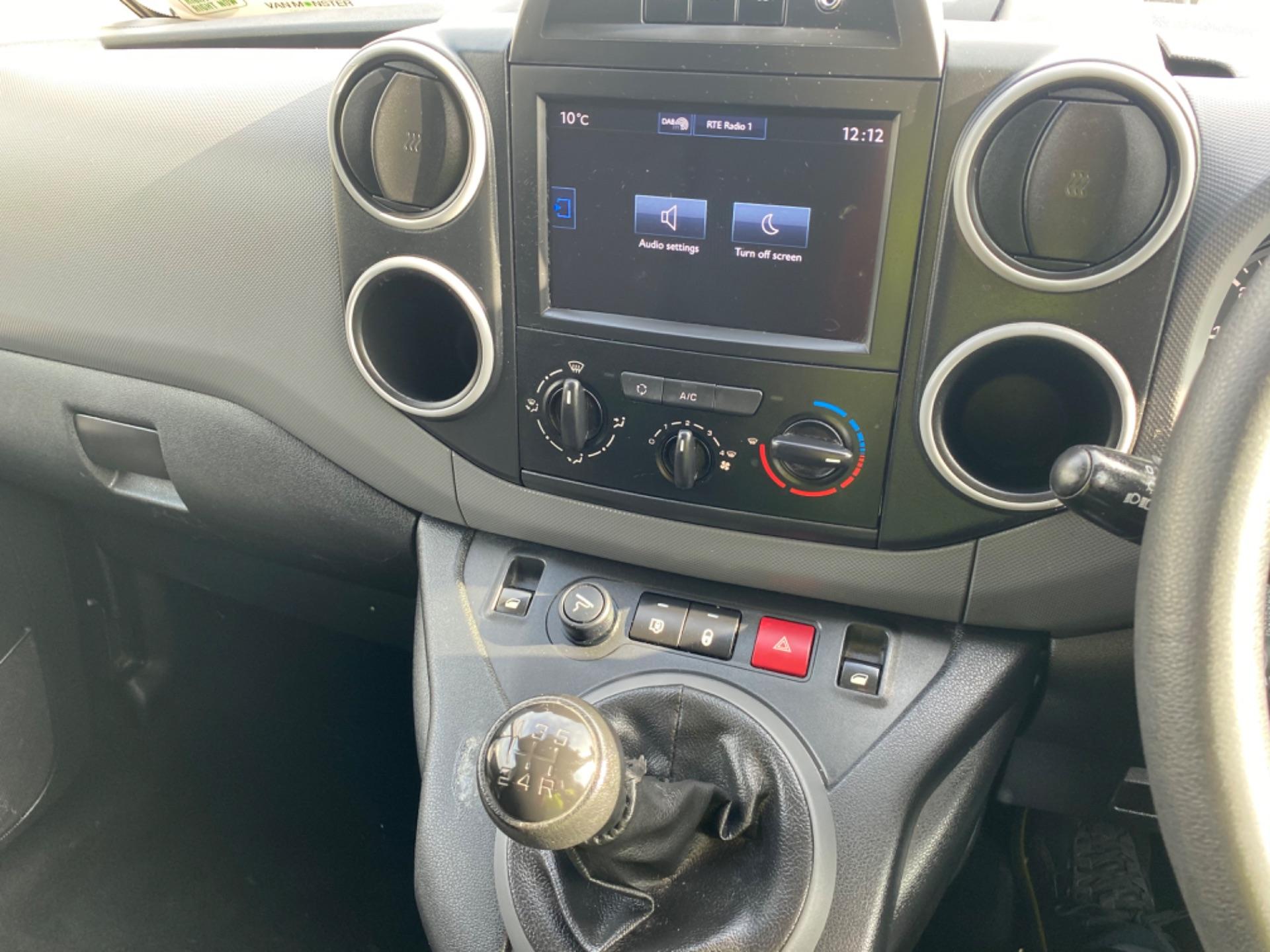 2017 Peugeot Partner Professional 1.6 Blue HDI 100 (172D19168) Image 12