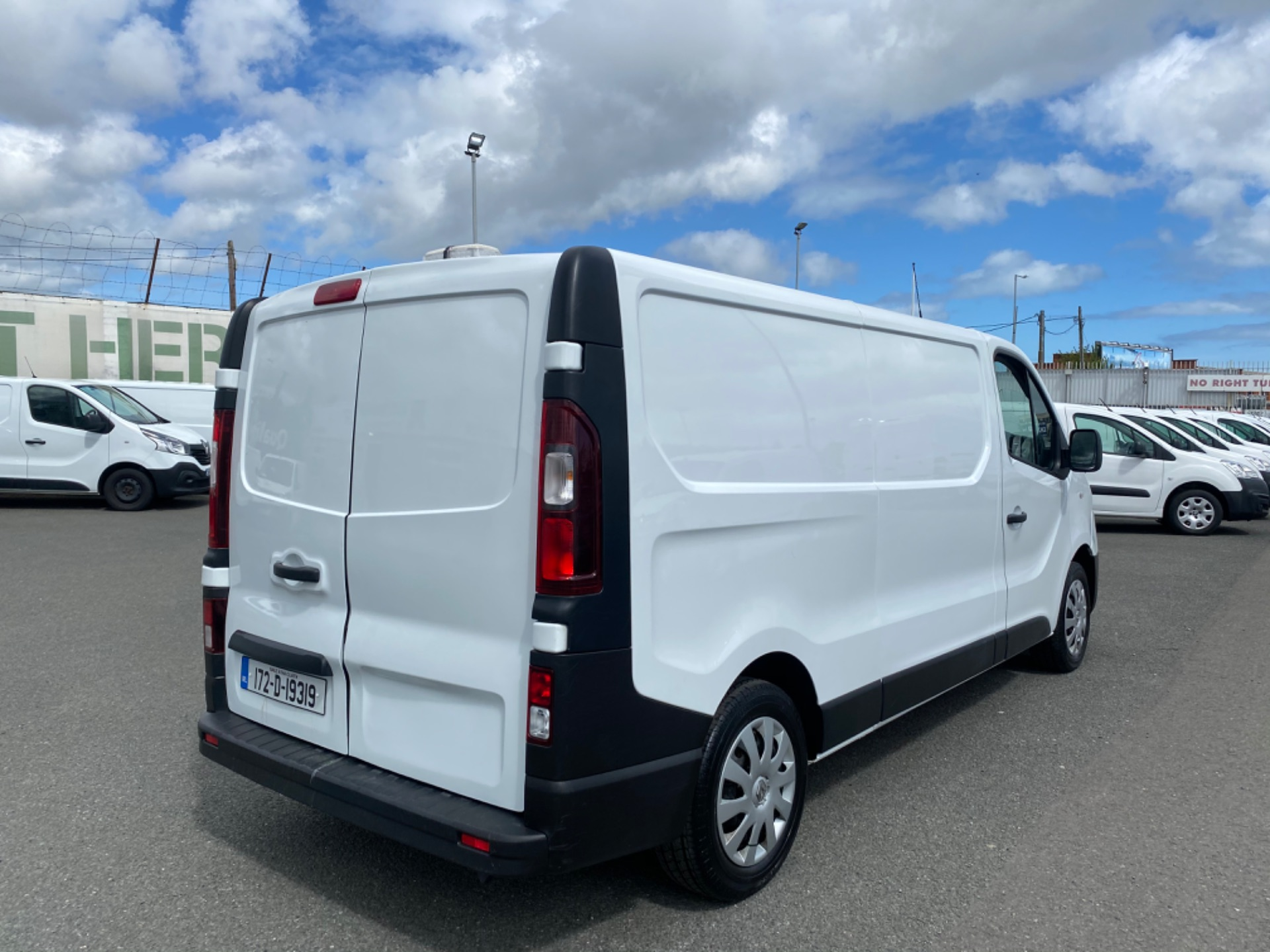 2017 Renault Trafic LL29 DCI 120 Business 3DR (172D19319) Image 13