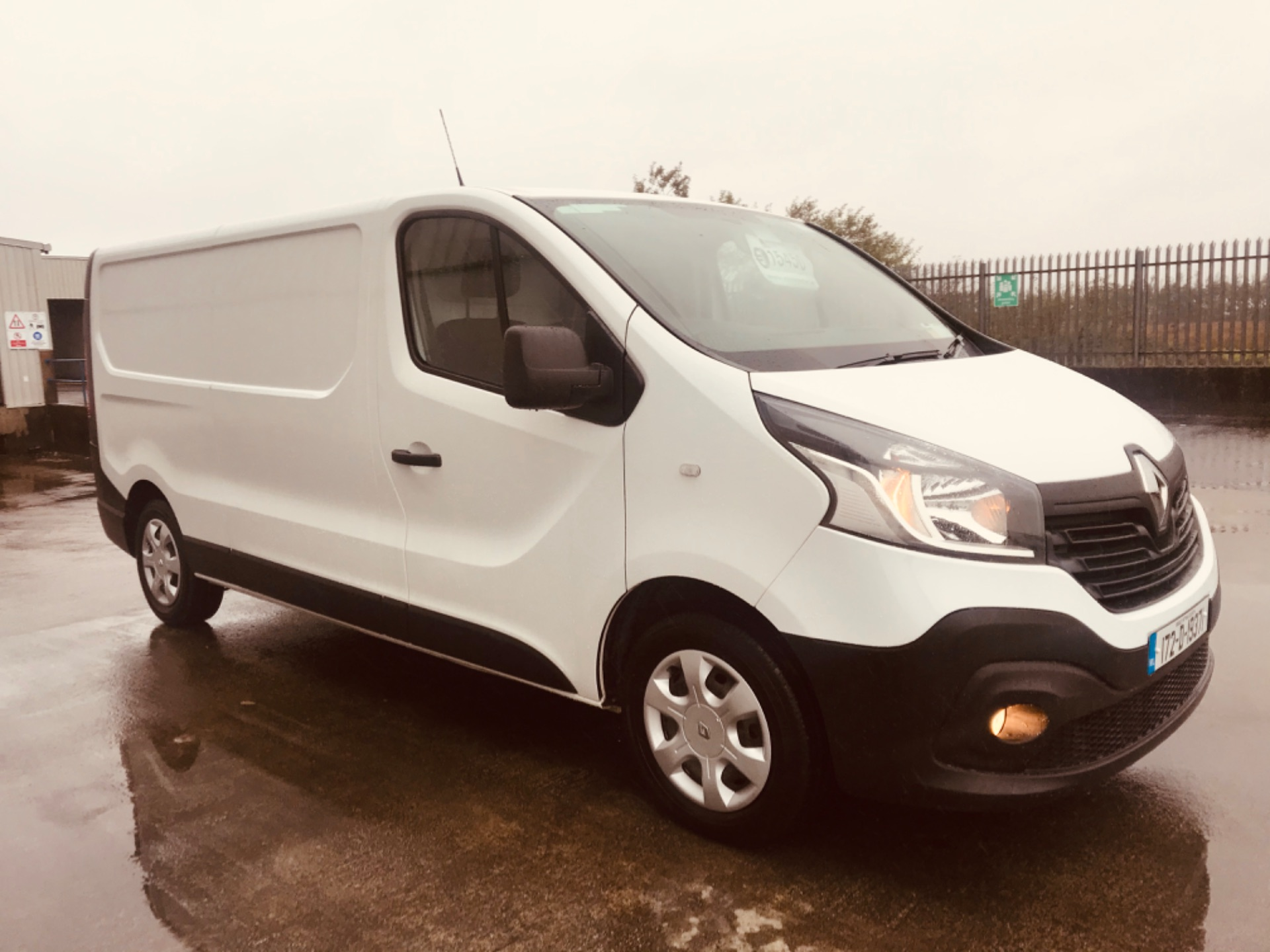 2017 Renault Trafic LL29 DCI 120 Business 3DR (172D19371) Image 3
