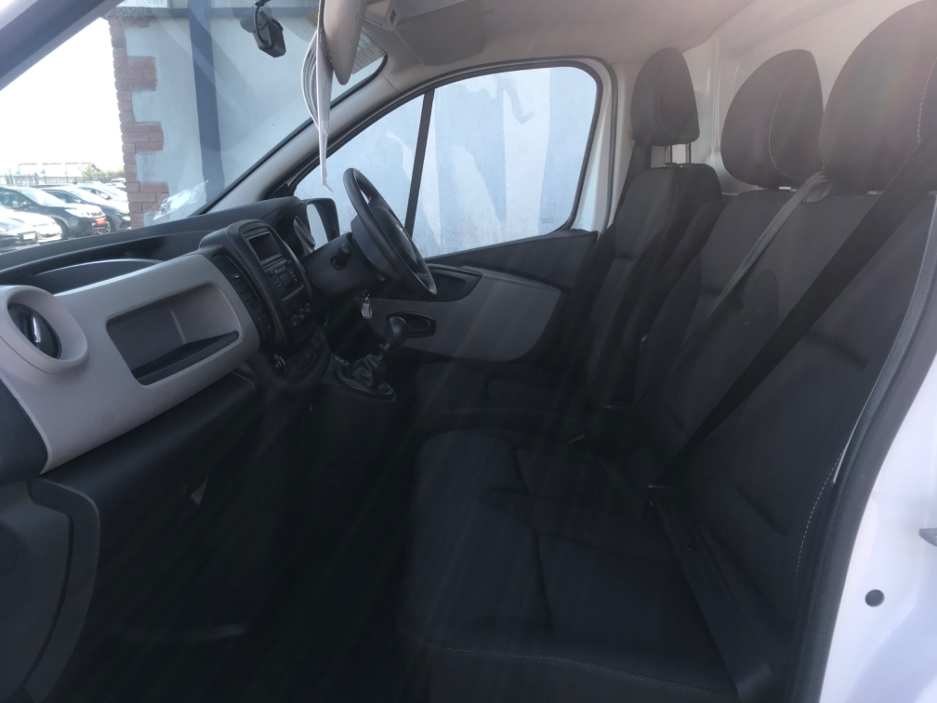 2017 Renault Trafic LL29 DCI 120 Business 3DR (172D19527) Image 11