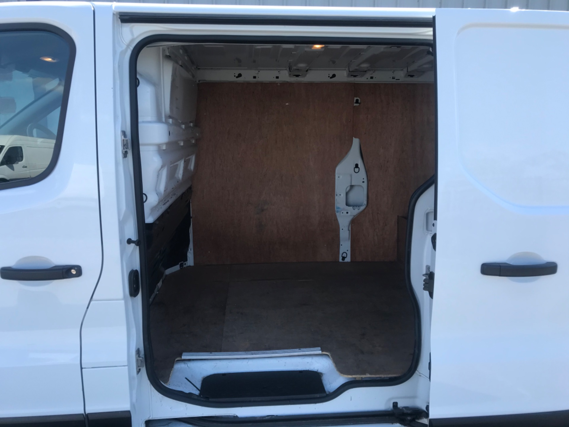 2017 Renault Trafic LL29 DCI 120 Business 3DR (172D19527) Image 10