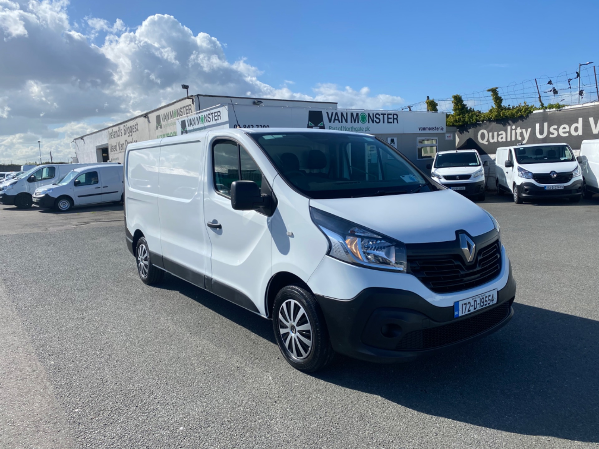 2017 Renault Trafic LL29 DCI 120 BUSINESS 3DR (172D19554) Image 2