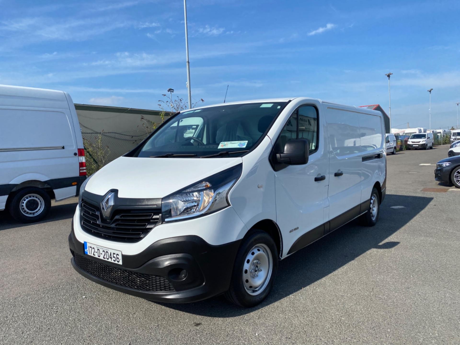 2017 Renault Trafic LL29 DCI 120 Business 3DR (172D20456) Image 2