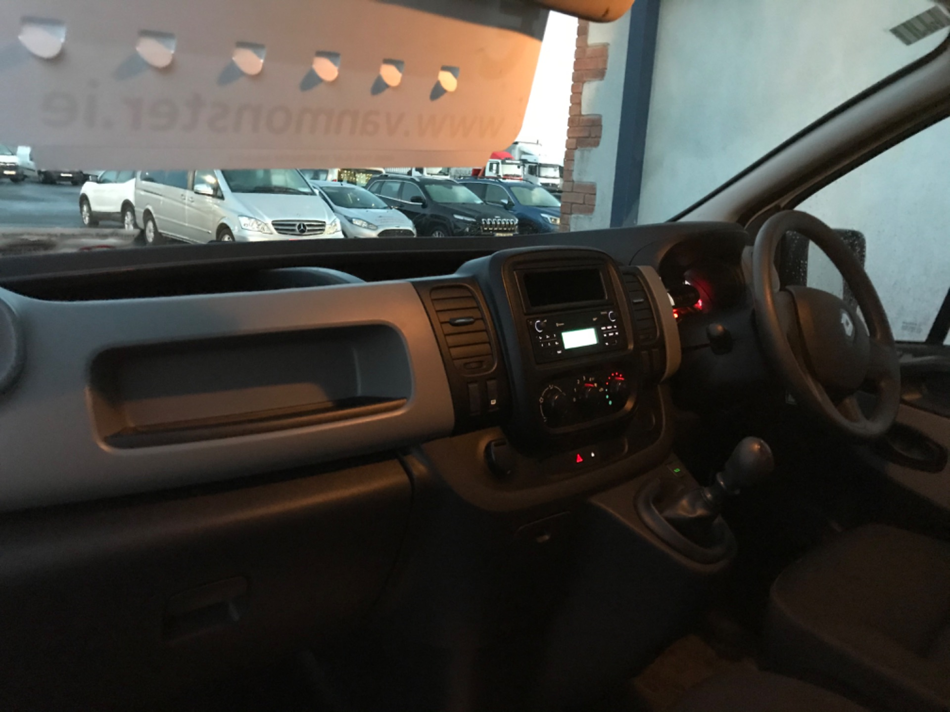 2017 Renault Trafic LL29 DCI 120 Business 3DR (172D20467) Image 2