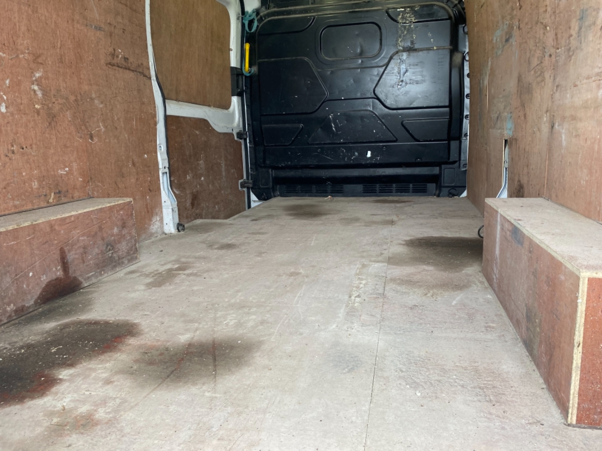 2017 Ford Transit 350L Base 2.0 105PS RWD 3DR (172D21526) Image 9