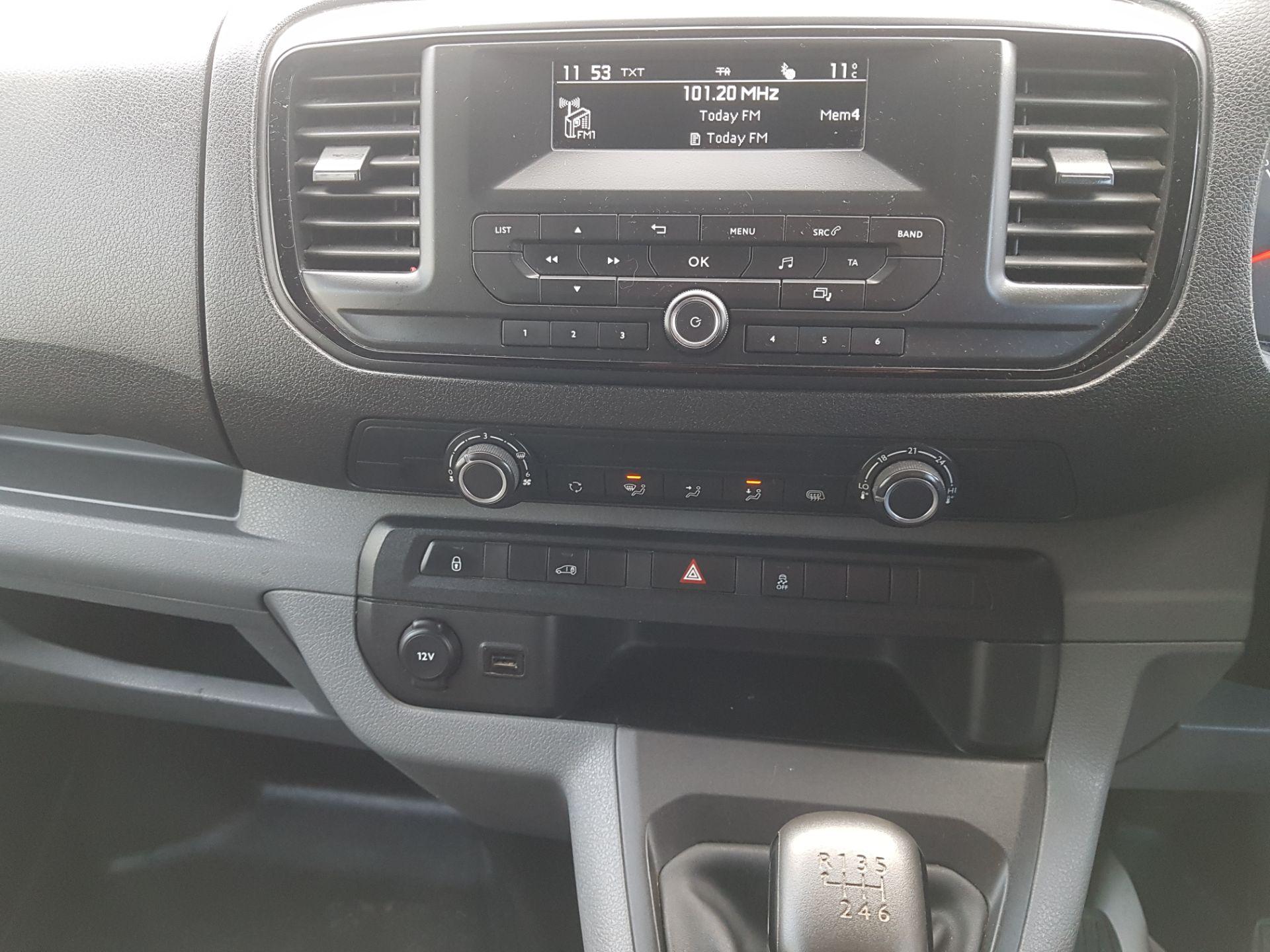 2017 Peugeot Expert Active Long 2.0 Blue HDI 120 6 (172D21986) Image 14