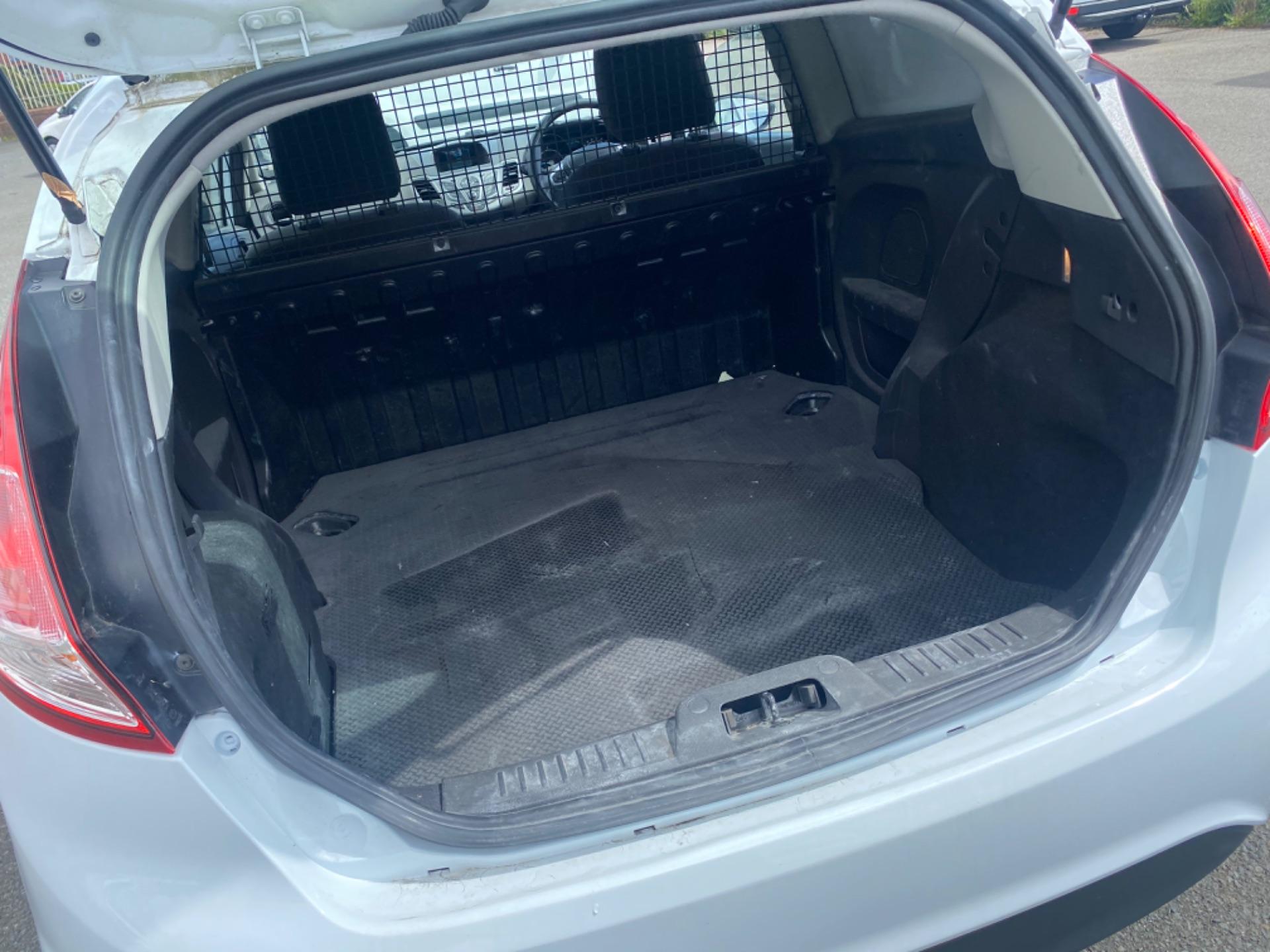 2017 Ford Fiesta BASE TDCI (172D22707) Image 9