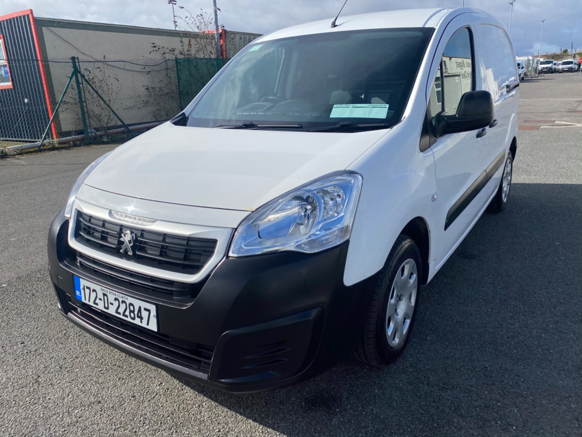 2017 Peugeot Partner Access 1.6 Blue HDI 75 Side DO (172D22847) Image 3