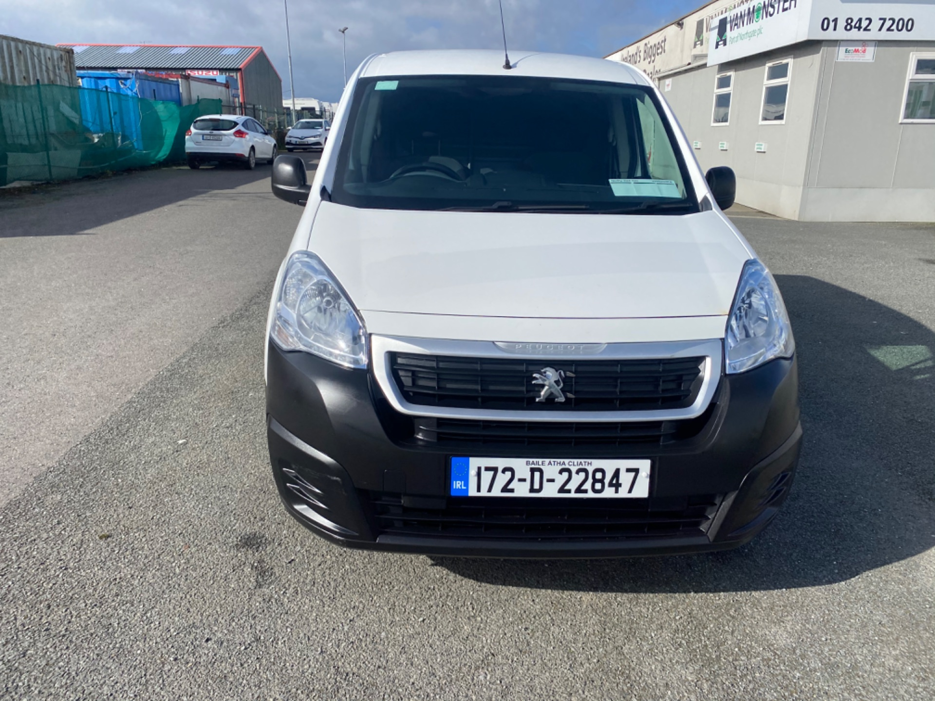 2017 Peugeot Partner Access 1.6 Blue HDI 75 Side DO (172D22847) Image 2