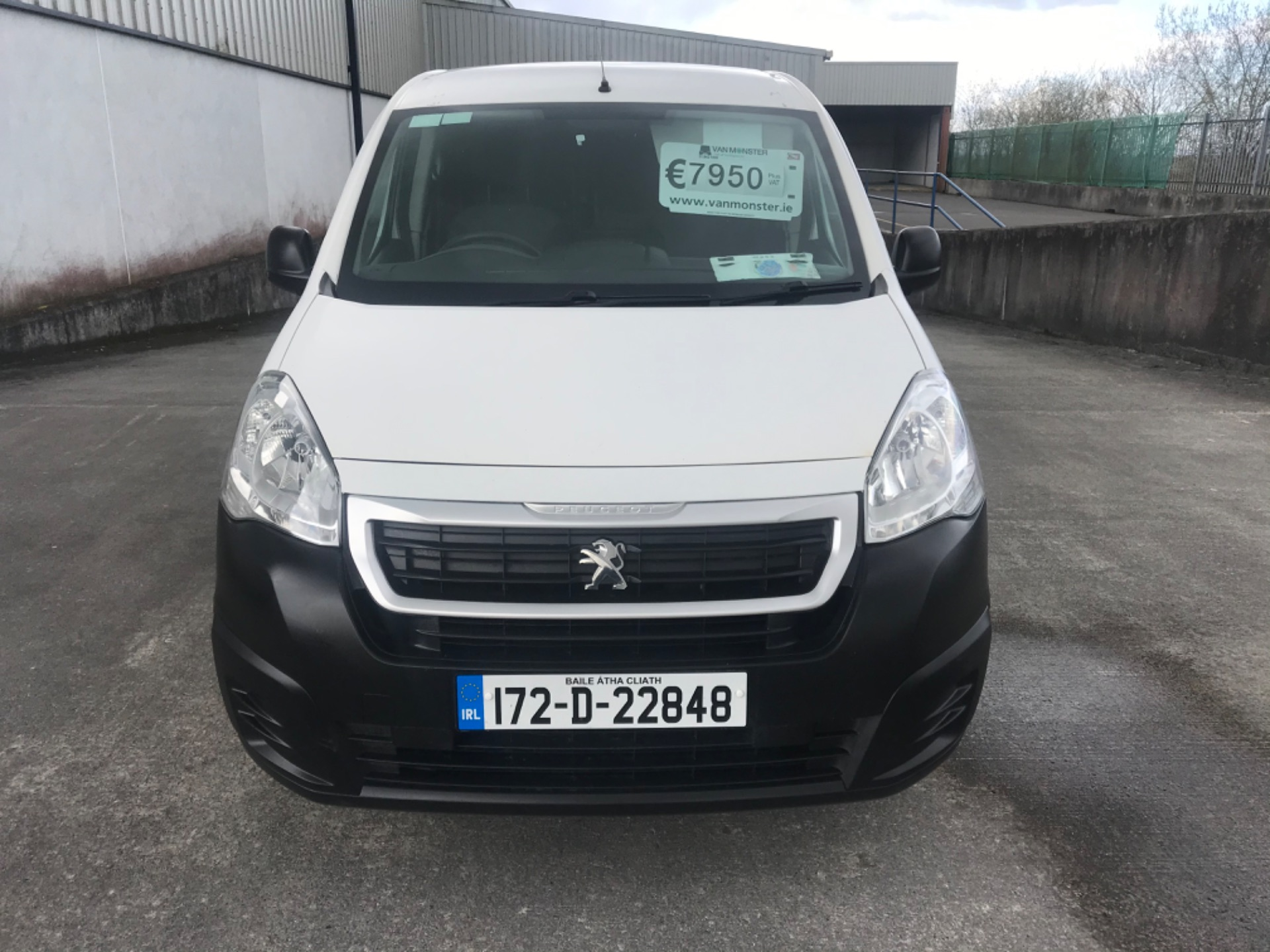 2017 Peugeot Partner Access 1.6 Blue HDI 75 Side DO (172D22848) Image 2