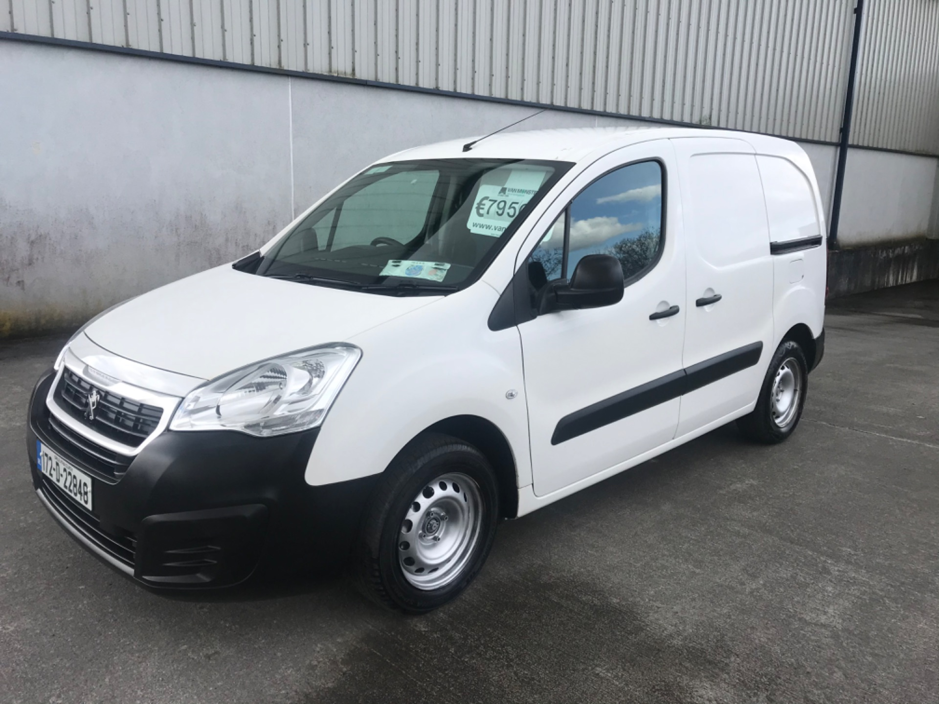2017 Peugeot Partner Access 1.6 Blue HDI 75 Side DO (172D22848) Image 1