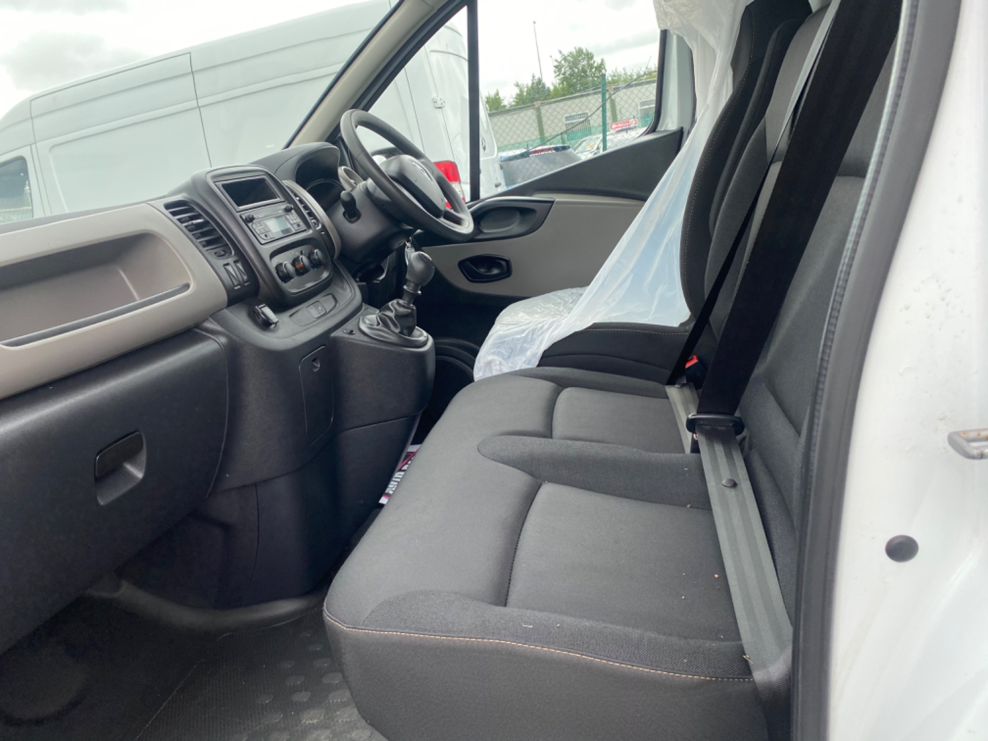 2017 Renault Trafic LL29 DCI 120 Business 3DR (172D22875) Image 12