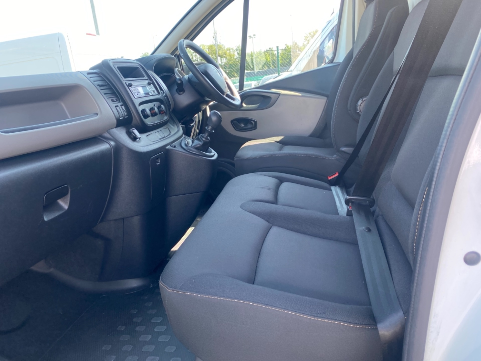 2017 Renault Trafic LL29 DCI 120 Business 3DR (172D22883) Image 6