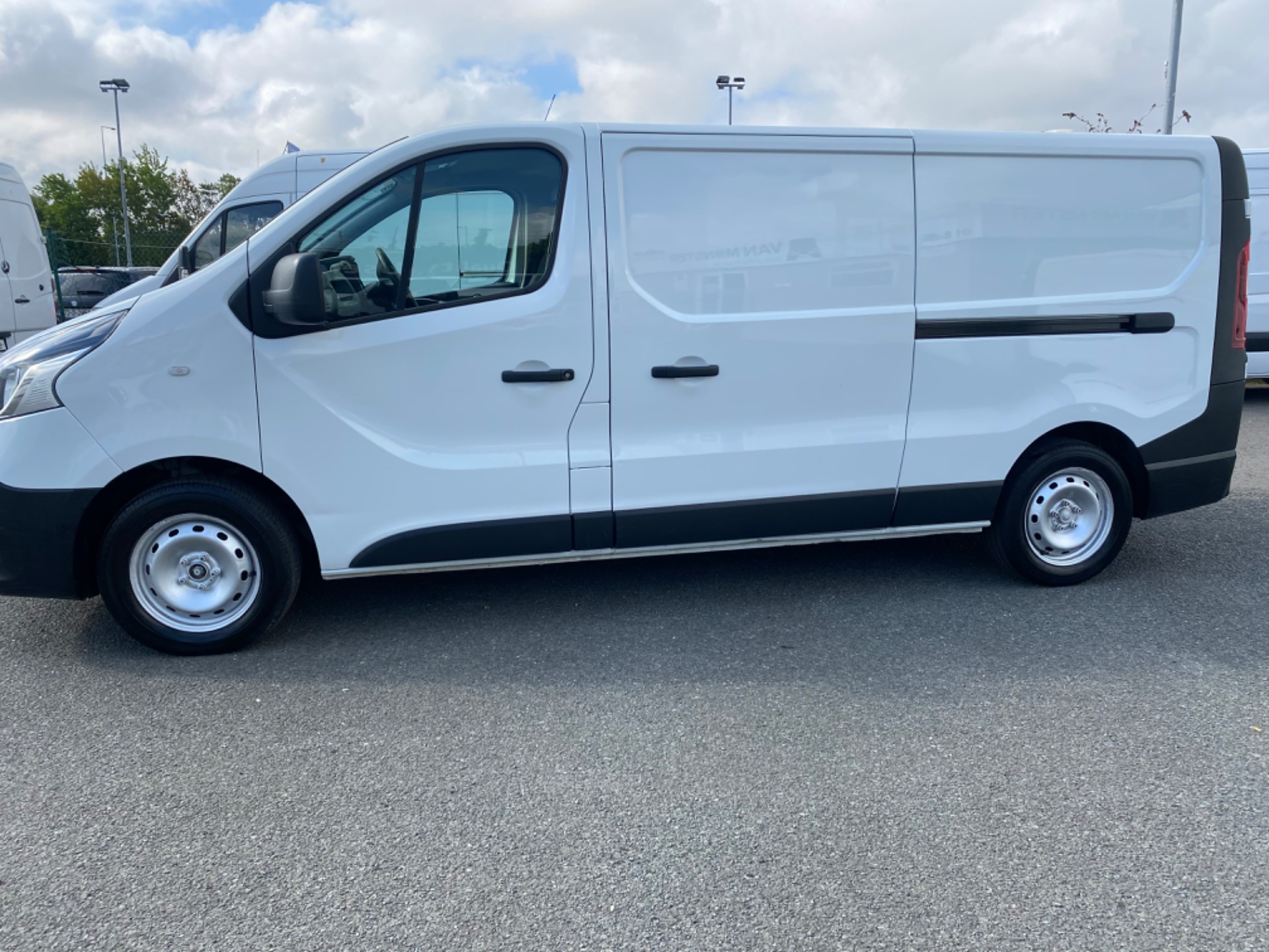 2017 Renault Trafic LL29 DCI 120 Business 3DR (172D23070) Image 4
