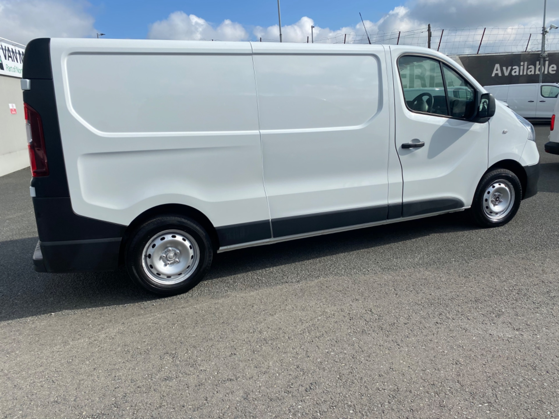 2017 Renault Trafic LL29 DCI 120 Business 3DR (172D23070) Image 8