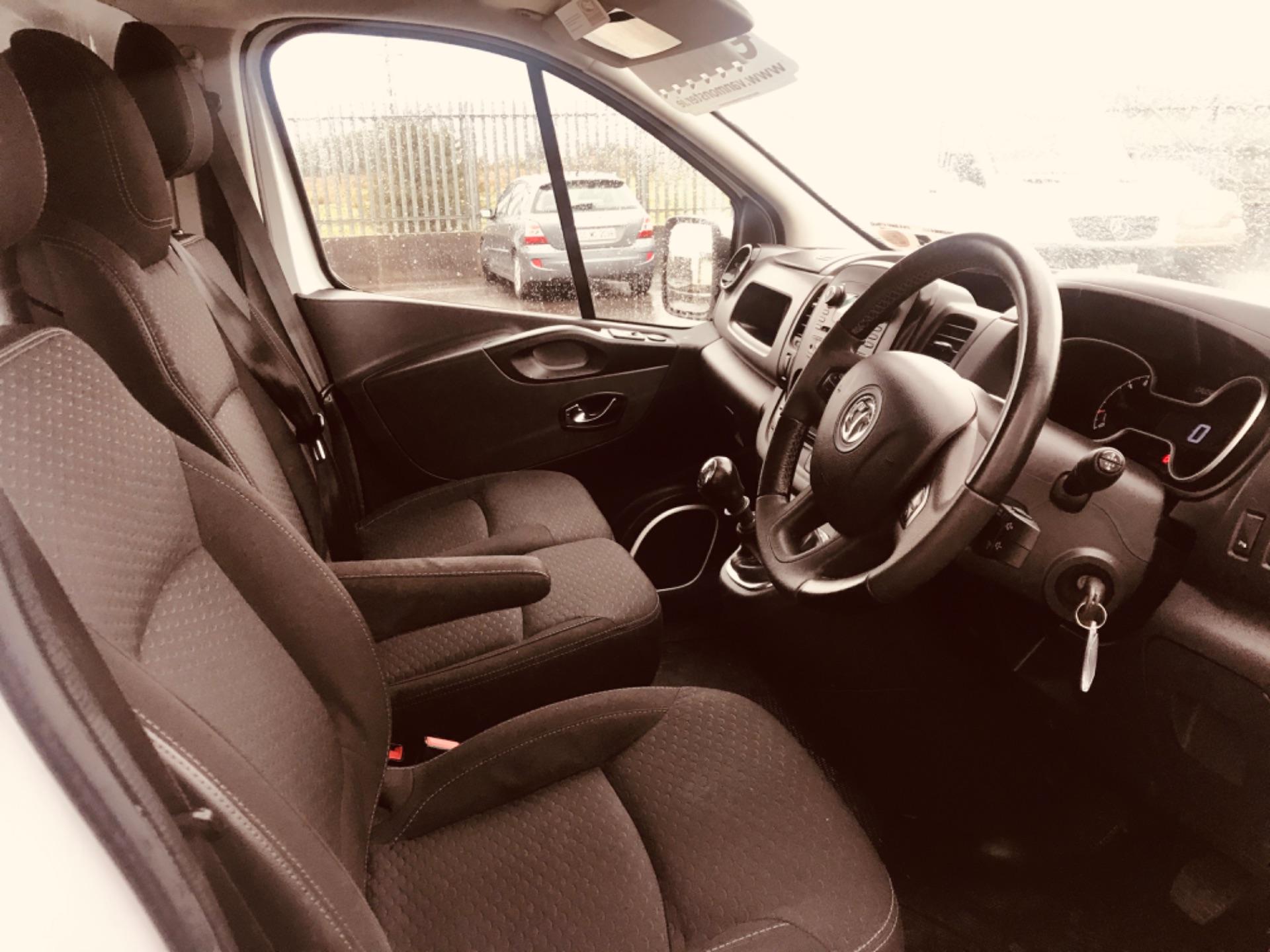 2017 Vauxhall Vivaro L2H1 2900 SPORTIVE CDTI (172D23441) Image 14