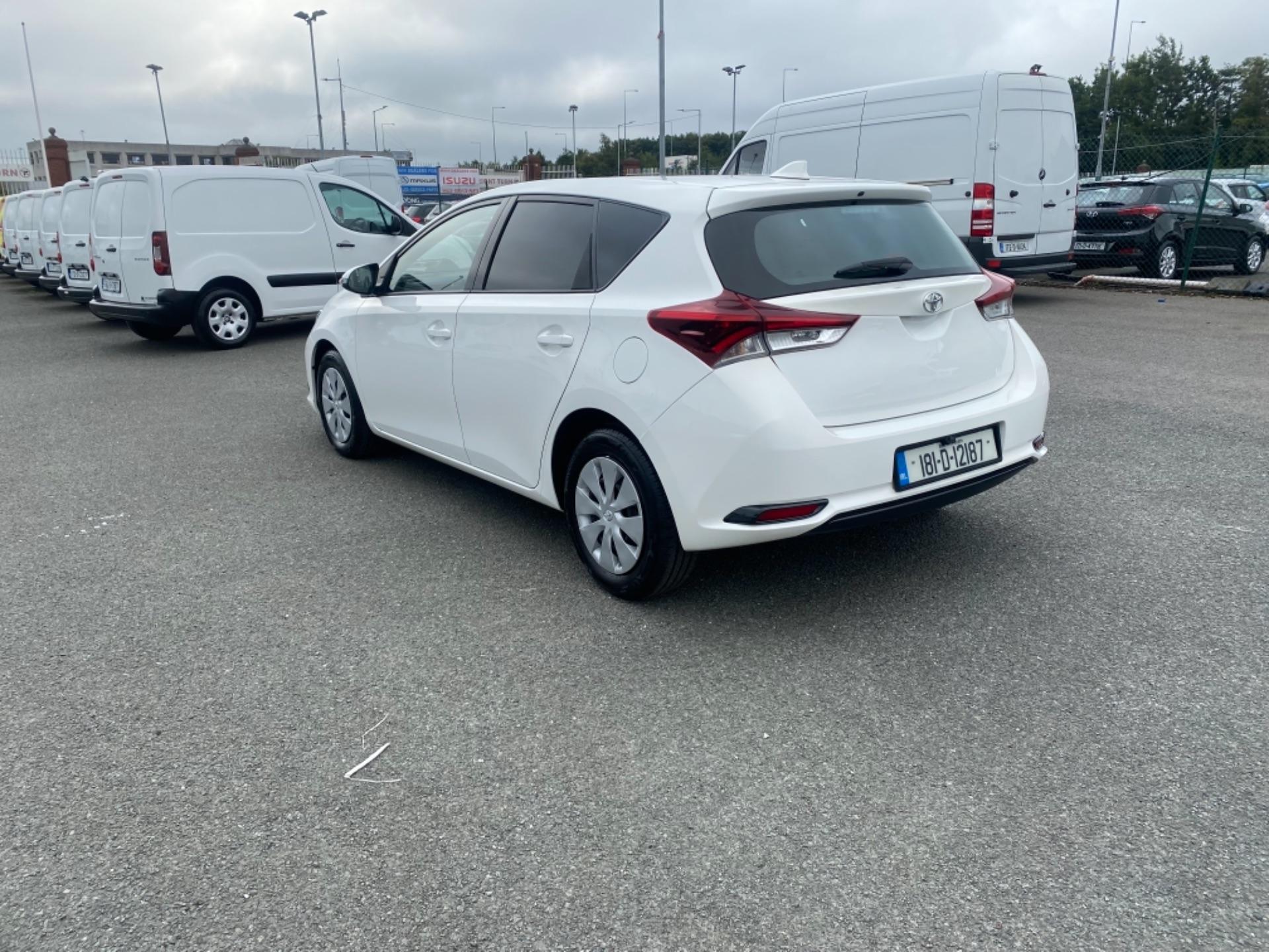 2018 Toyota Auris VAN 1.4 D4D Terra 4DR (181D12187) Image 6