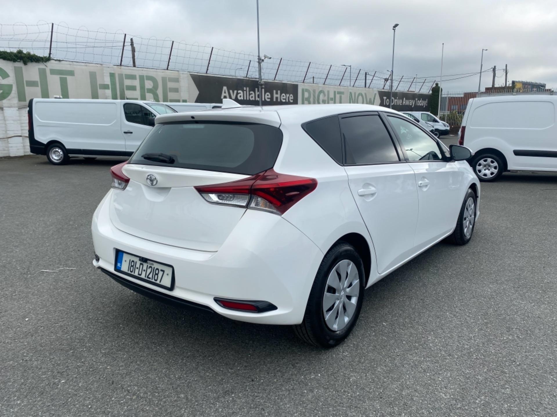 2018 Toyota Auris VAN 1.4 D4D Terra 4DR (181D12187) Image 7